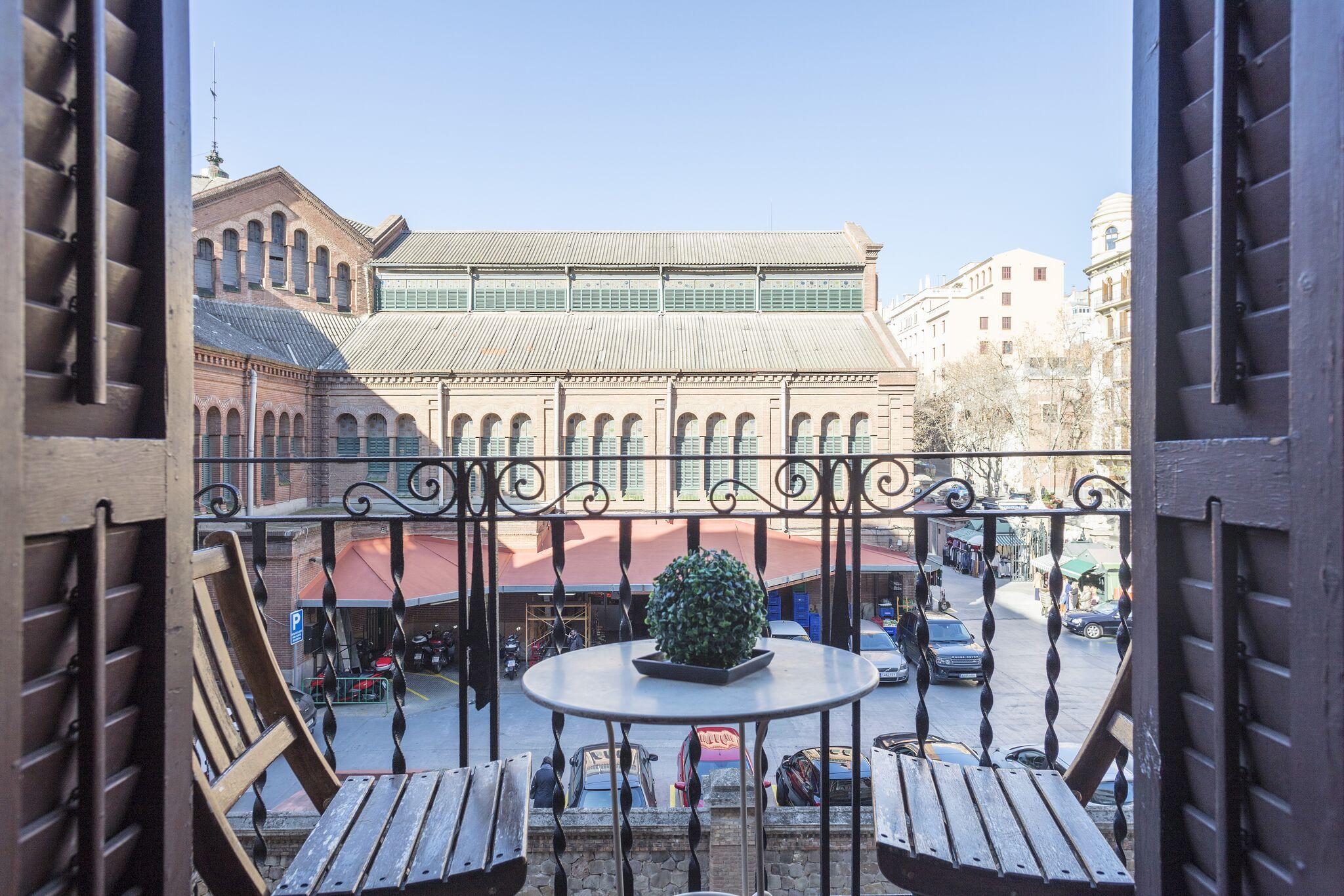Apartment MIRALL EN EL MEJOR BARRIO DE LA CIUDAD  frente a un mercado emblematico  rodeado de comercios y restaurantes y muy bien comunicado con todo  photo 23180001