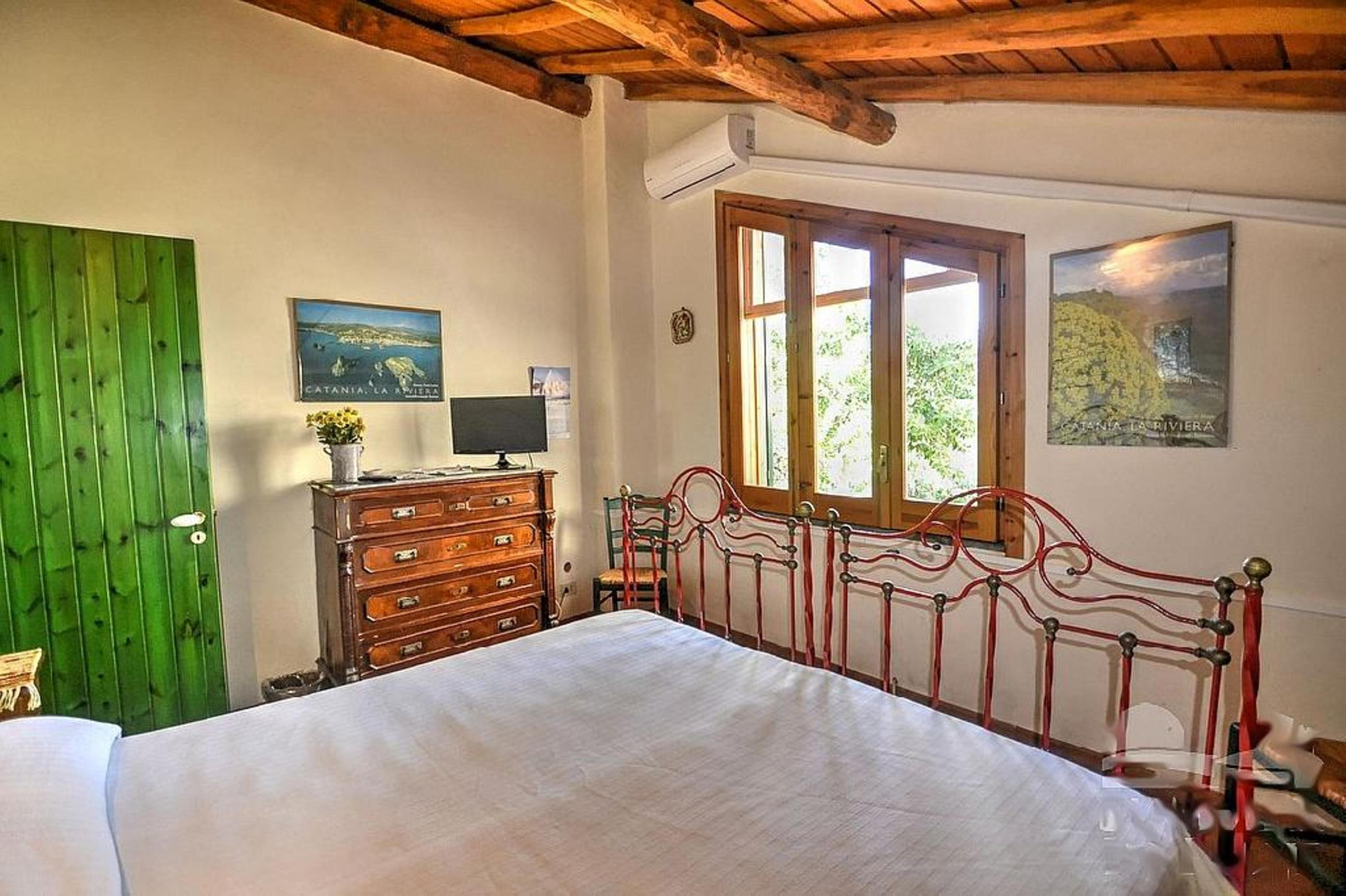 Apartment Acireale B B Double AC bedroom in villa with g photo 19390633