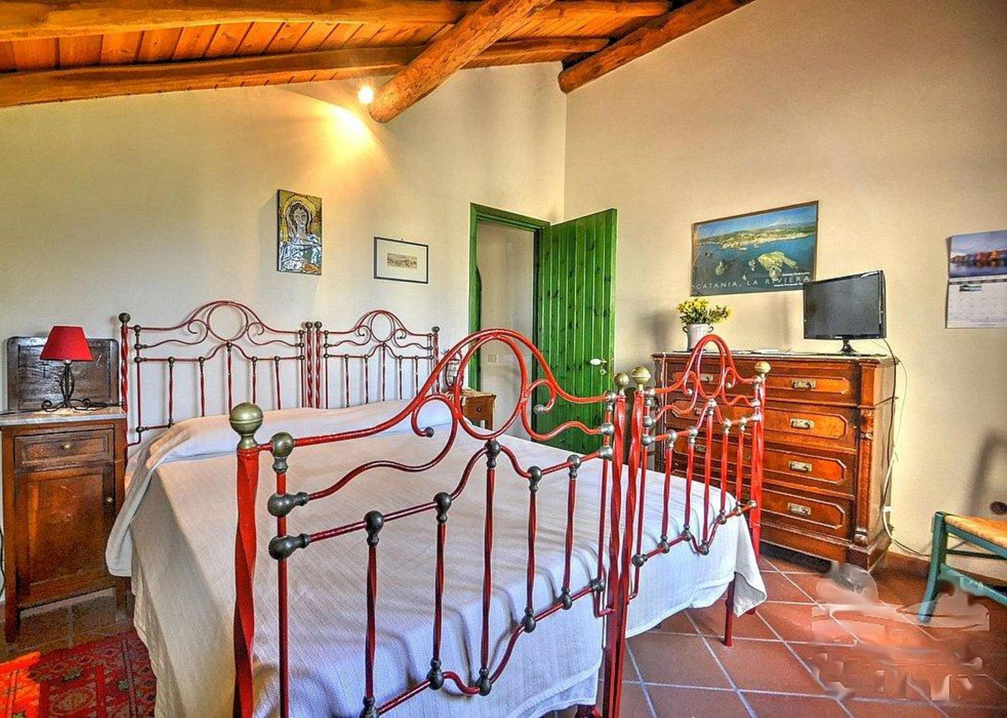 Apartment Acireale B B Double AC bedroom in villa with g photo 16998852