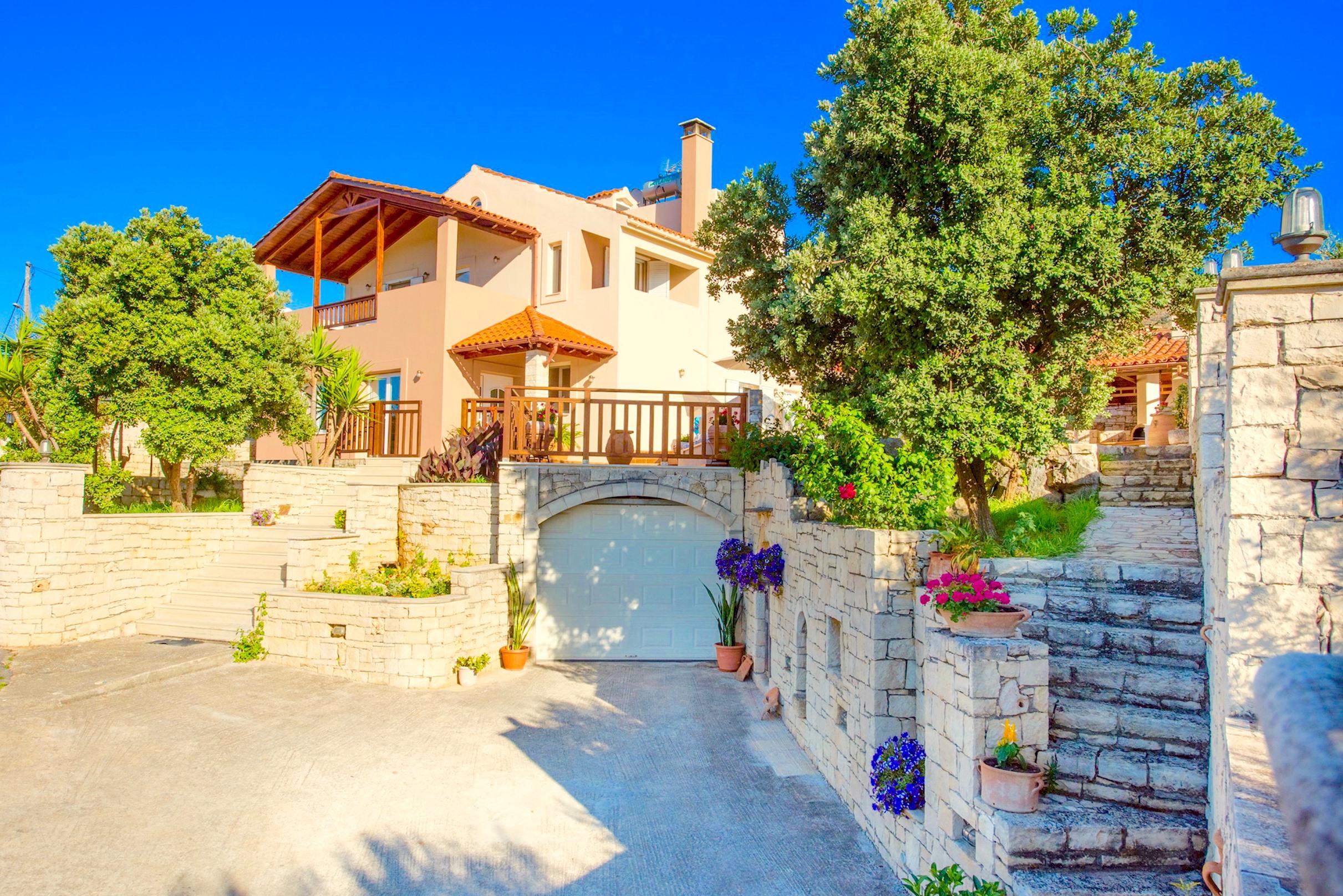 Ferienhaus Luxury Villa Korini with private swimming pool (2470495), Roumeli, Kreta Nordküste, Kreta, Griechenland, Bild 1