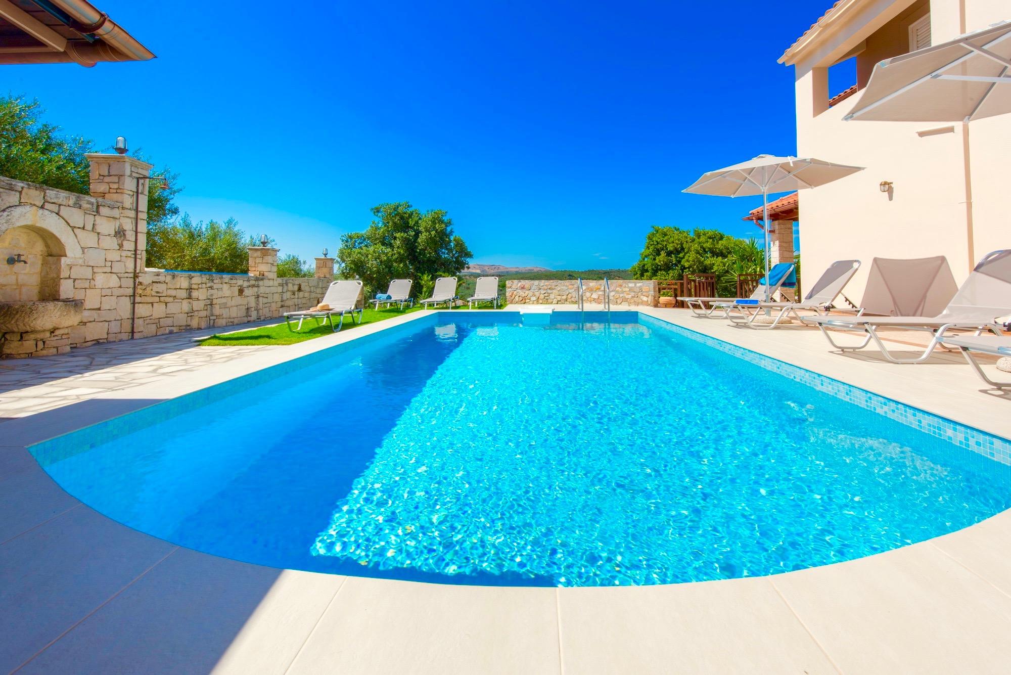 Ferienhaus Luxury Villa Korini with private swimming pool (2470495), Roumeli, Kreta Nordküste, Kreta, Griechenland, Bild 5