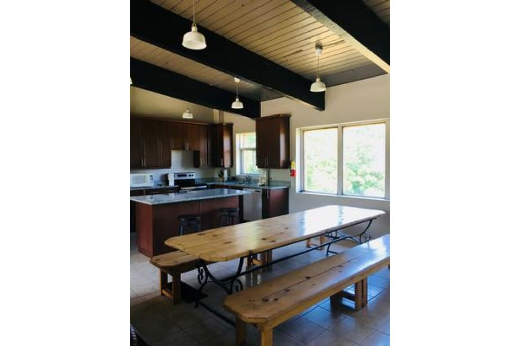 Apartment 6 Bed Blue Mountain Chalet with Hot Tub  8C - Sleeps 16  photo 20442030