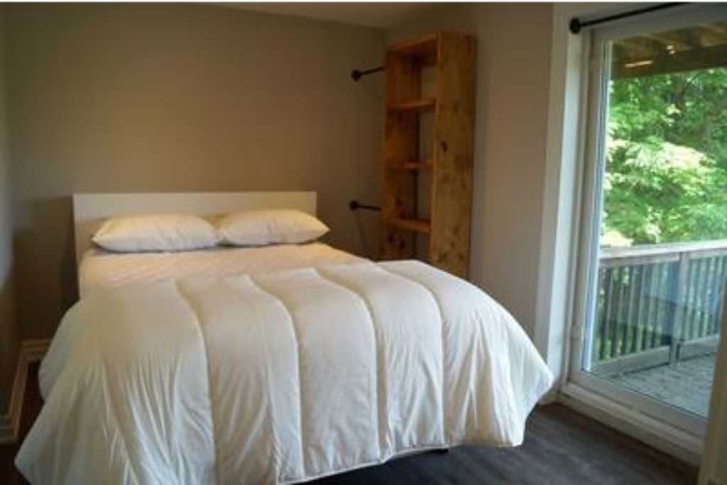 6 Bed Blue Mountain Chalet with Hot Tub #8L - Sleeps 14  photo 20446232