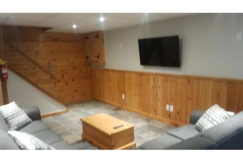 6 Bed Blue Mountain Chalet with Hot Tub #8L - Sleeps 14  photo 15985742
