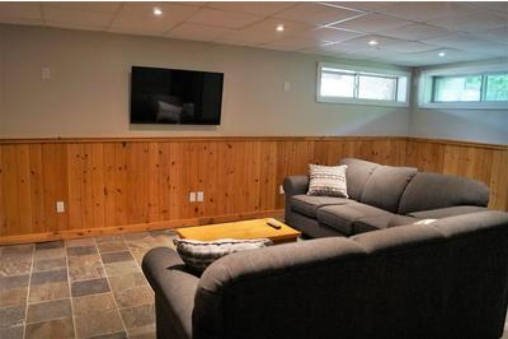 Apartment 6 Bed Blue Mountain Chalet with Hot Tub  8L - Sleeps 14  photo 20305906