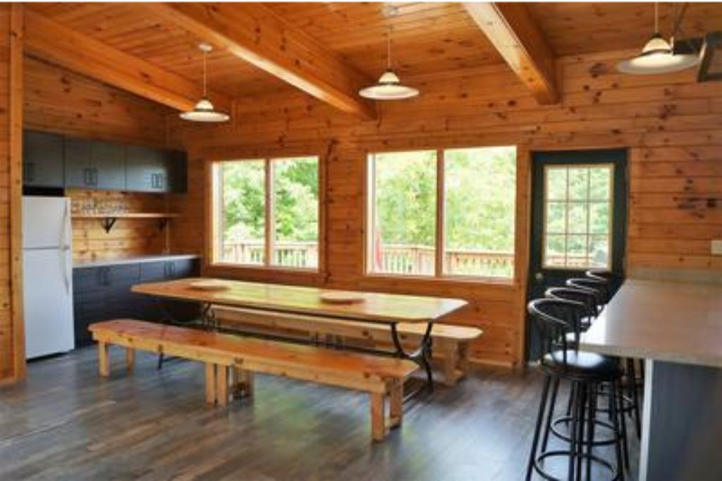 Apartment 6 Bed Blue Mountain Chalet with Hot Tub  8L - Sleeps 14  photo 20446240