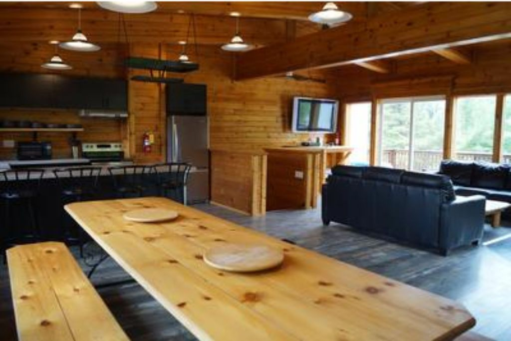 Apartment 6 Bed Blue Mountain Chalet with Hot Tub  8L - Sleeps 14  photo 20183658