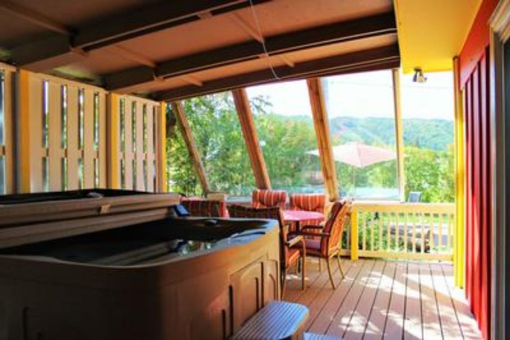 Apartment 3 Bed Blue Mountain Cottage with Sauna   Hot Tub - Sleeps 10 photo 20301454
