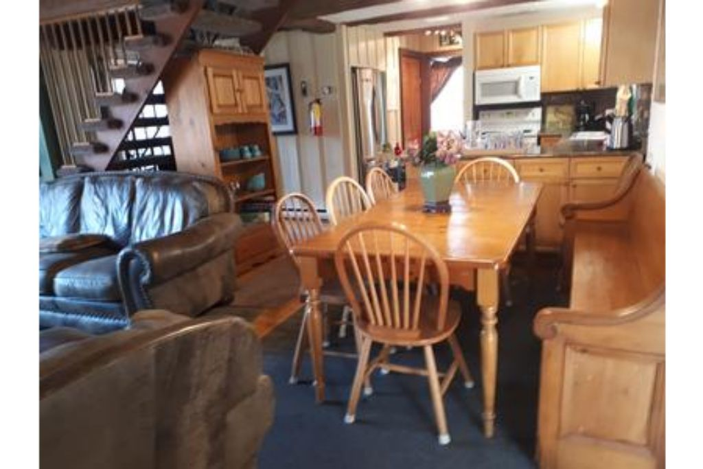 Apartment 6 Bed Blue Mountain Cottage with Hot Tub  102 - Sleeps 14 photo 20301928