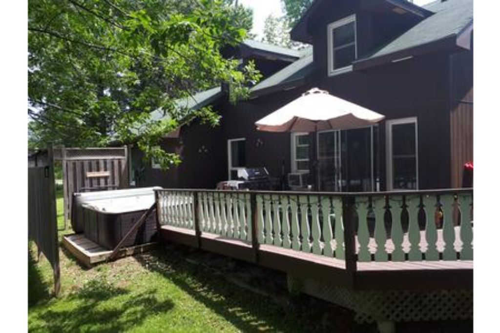 Apartment 6 Bed Blue Mountain Cottage with Hot Tub  102 - Sleeps 14 photo 20301936