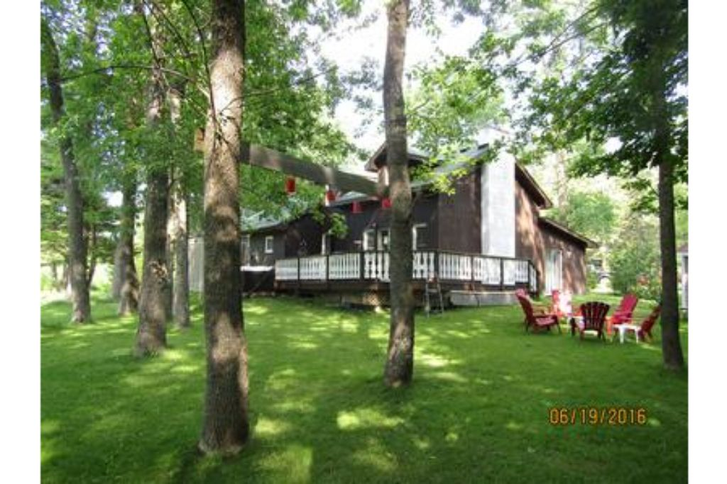 Apartment 6 Bed Blue Mountain Cottage with Hot Tub  102 - Sleeps 14 photo 20193915