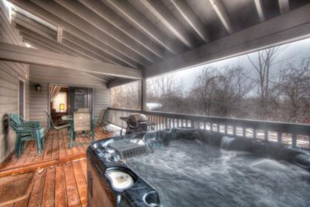 Apartment 6 Bed Blue Mountain  Chalet with Hot Tub  157 - Sleeps 14 photo 20296567