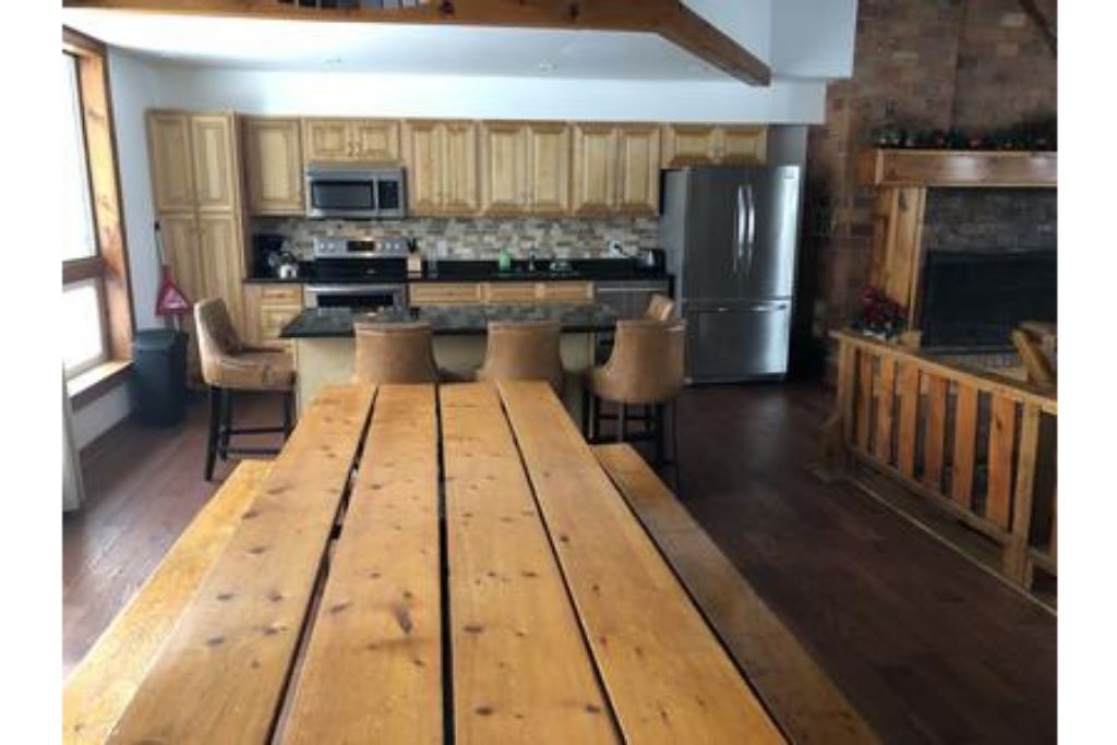 Apartment 8 Bed Blue Mountain Chalet with Hot Tub   Sauna  216 - Sleeps 20 photo 20157500