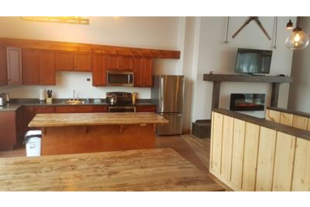 Apartment 8 Bed Blue Mountain Chalet with Hot Tub  220 - Sleeps 16 photo 20441938
