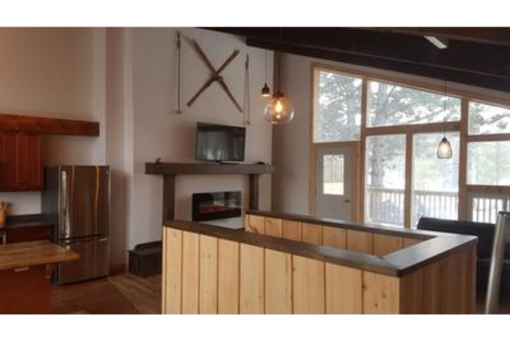 8 Bed Blue Mountain Chalet with Hot Tub #220 - Sleeps 16 photo 19737657