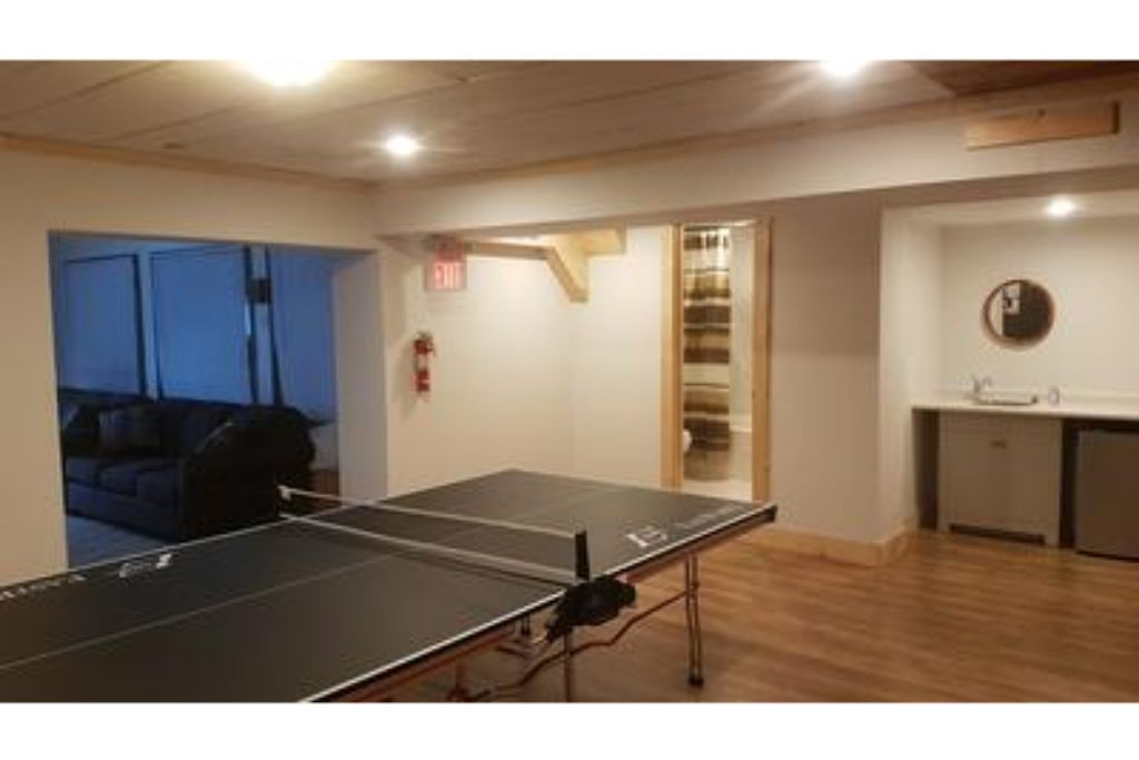 Apartment 8 Bed Blue Mountain Chalet with Hot Tub  220 - Sleeps 16 photo 20155380