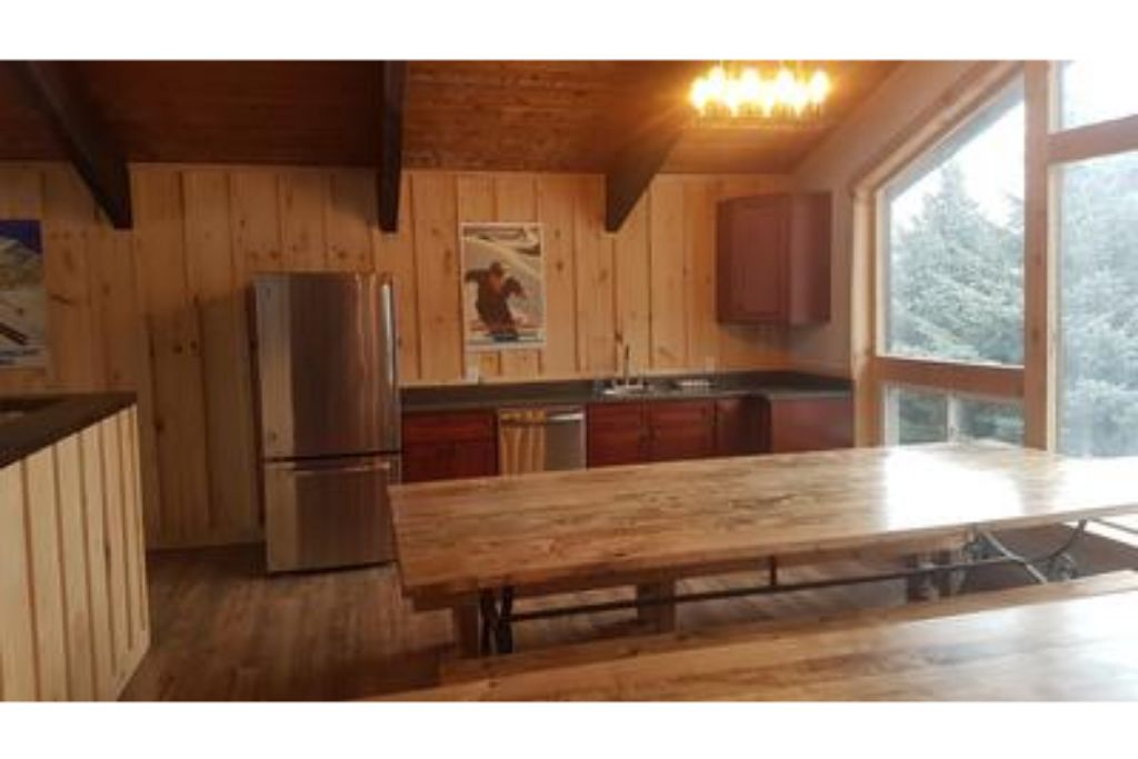 Apartment 8 Bed Blue Mountain Chalet with Hot Tub  220 - Sleeps 16 photo 20293405