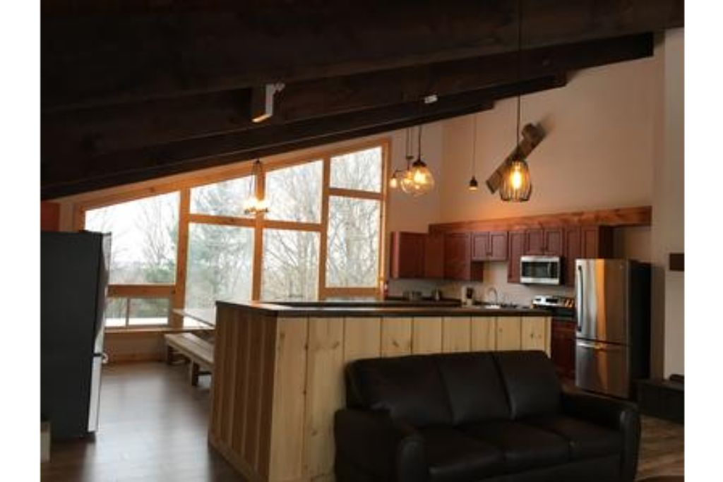 Apartment 8 Bed Blue Mountain Chalet with Hot Tub  220 - Sleeps 16 photo 20293407