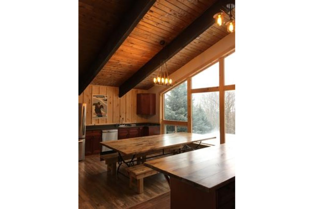Apartment 8 Bed Blue Mountain Chalet with Hot Tub  220 - Sleeps 16 photo 20293409