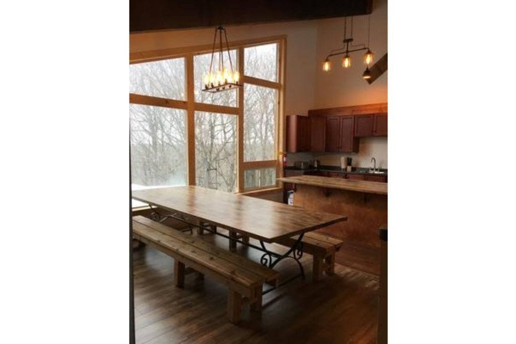 Apartment 8 Bed Blue Mountain Chalet with Hot Tub  220 - Sleeps 16 photo 20441948