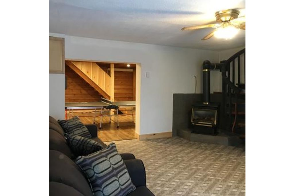 Apartment 8 Bed Blue Mountain Chalet with Hot Tub  220 - Sleeps 16 photo 20293417