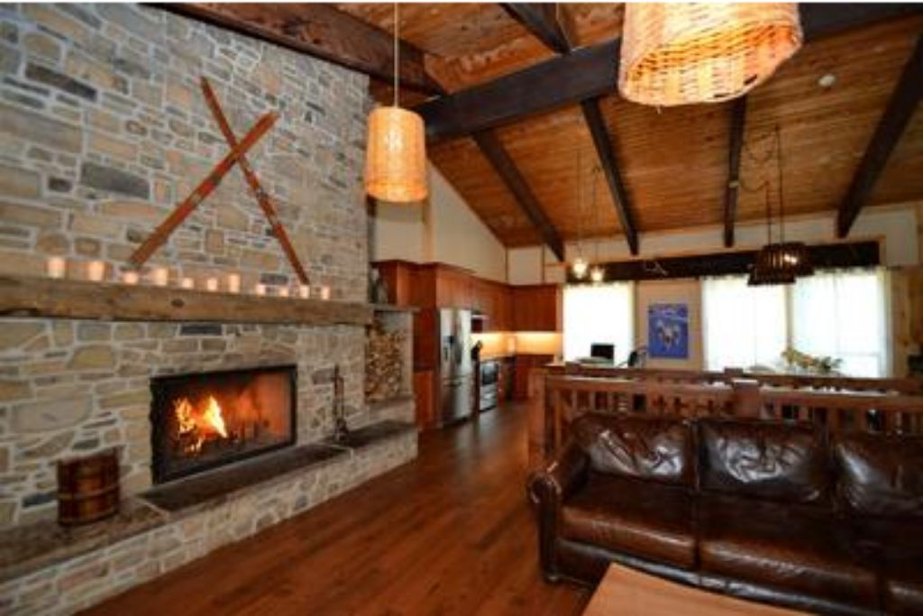 9 Bed Blue Mountain Chalet with Hot Tub #214 - Sleeps 20 photo 20293463