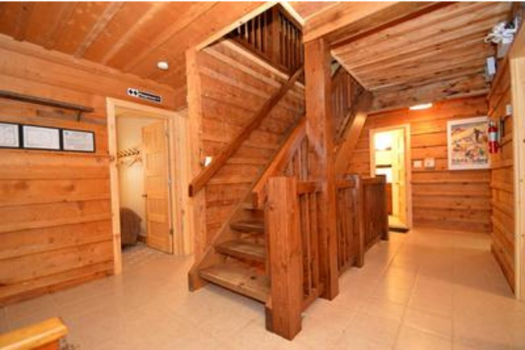 Apartment 9 Bed Blue Mountain Chalet with Hot Tub  214 - Sleeps 20 photo 20410532
