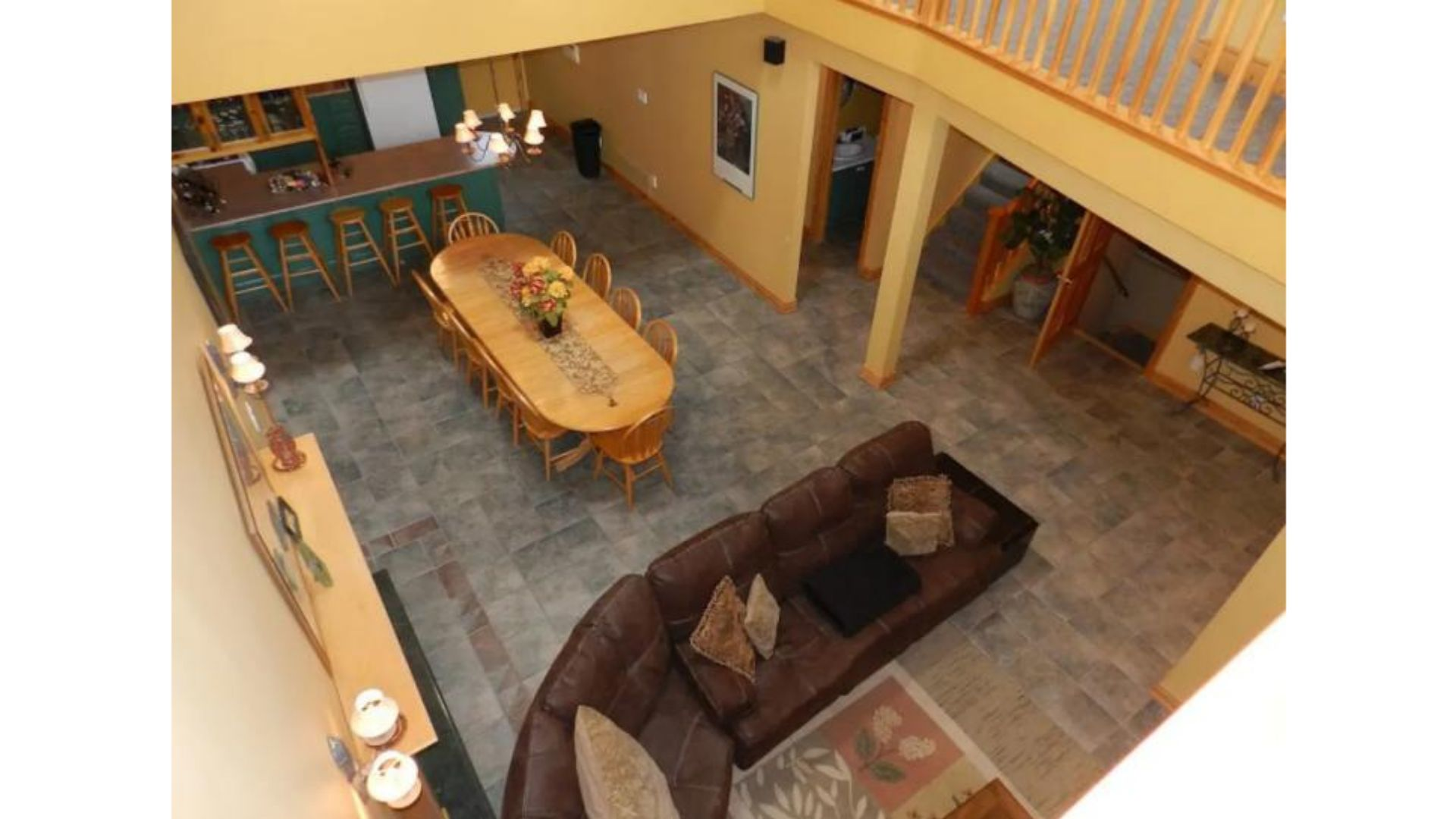Apartment Fantastic 5 Bed Blue Mountain Chalet - Steps to Skiing   Shopping - Sleeps 14 photo 16664214