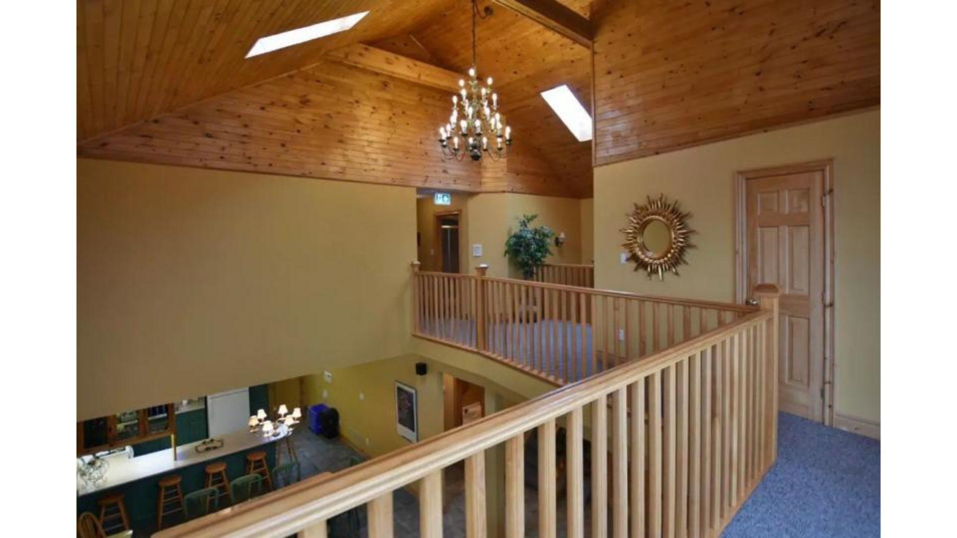 Apartment Fantastic 5 Bed Blue Mountain Chalet - Steps to Skiing   Shopping - Sleeps 14 photo 20298846