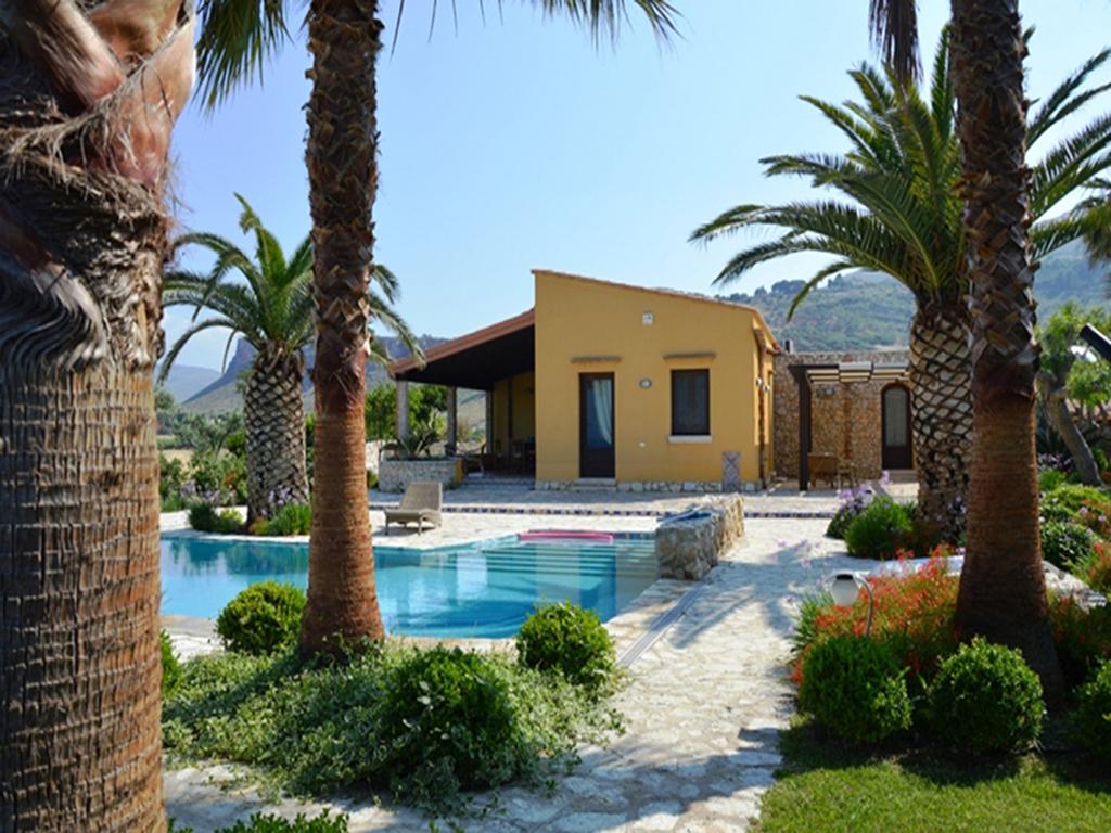 Castellammare del Golfo, Italien Lejlighed #RU373468
