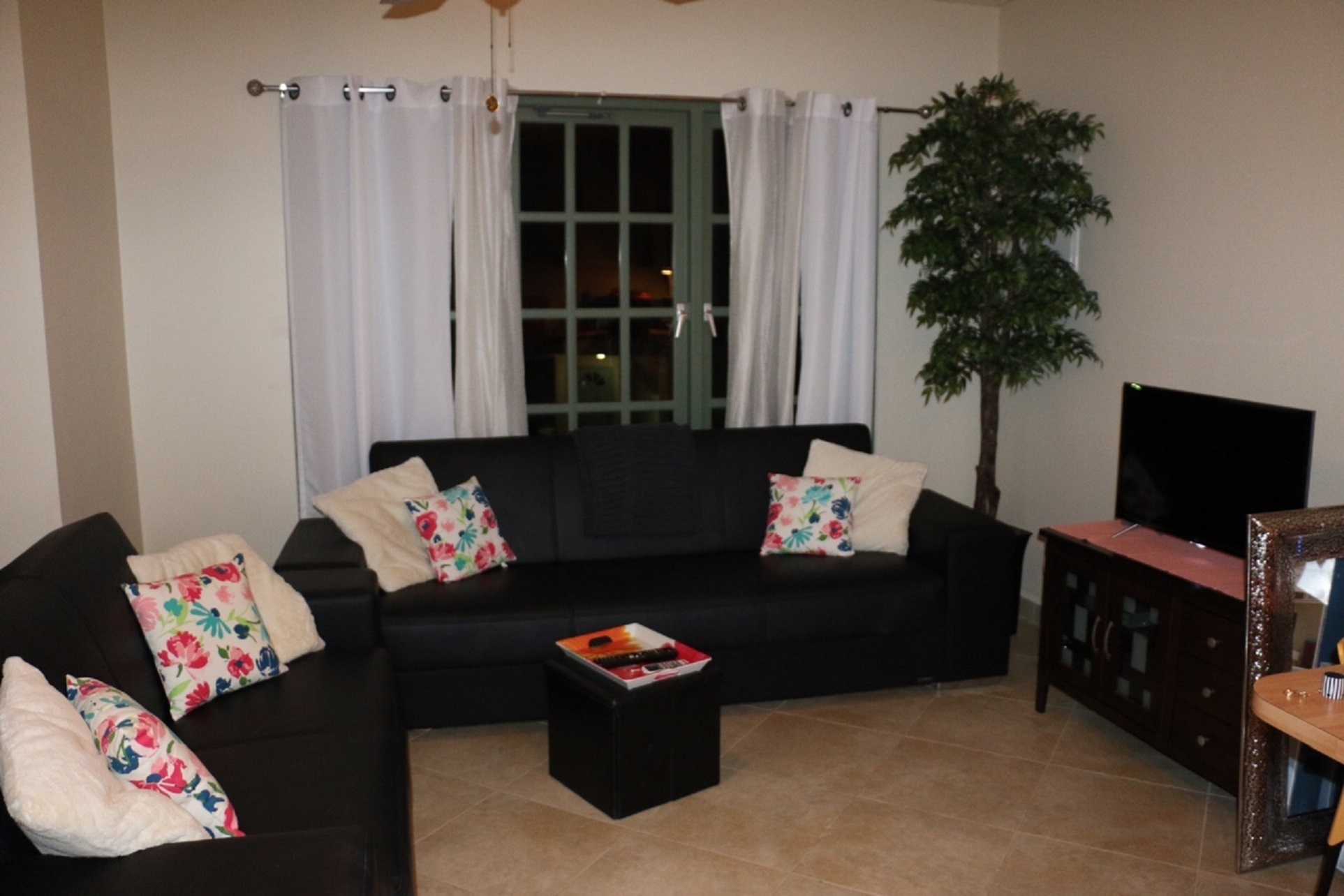 Palma Real apartment, only minutes walk to Palm Beach and the High Rise hotel area photo 23200203