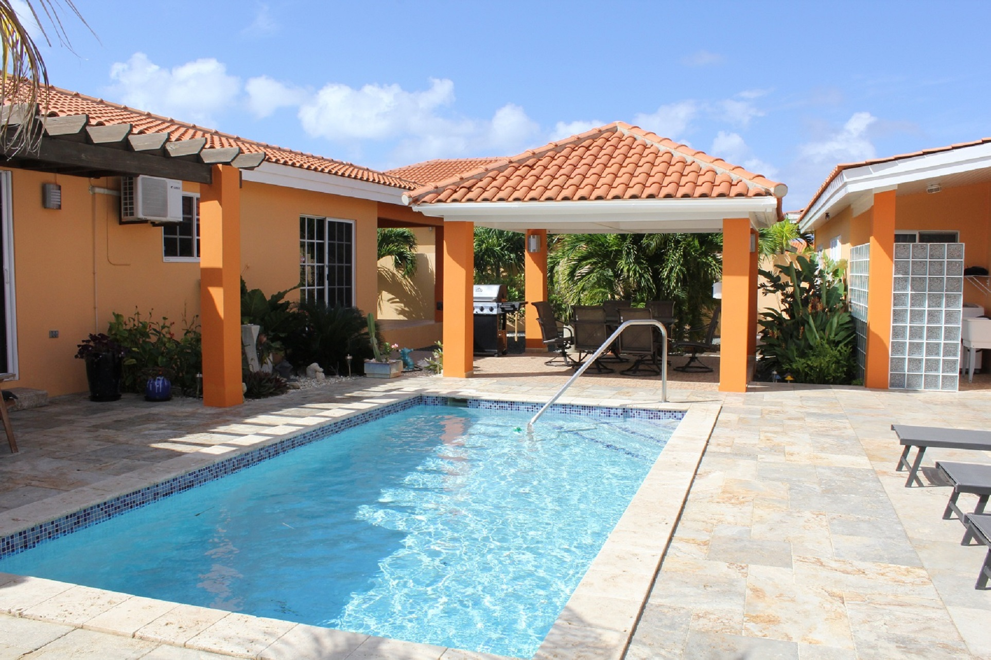 Aruba Day Dreams, only minutes drive away from the best beaches photo 23183104