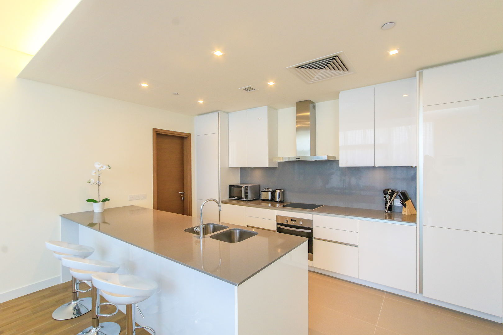 Available 2BR in City Walk #608B22 photo 16715013