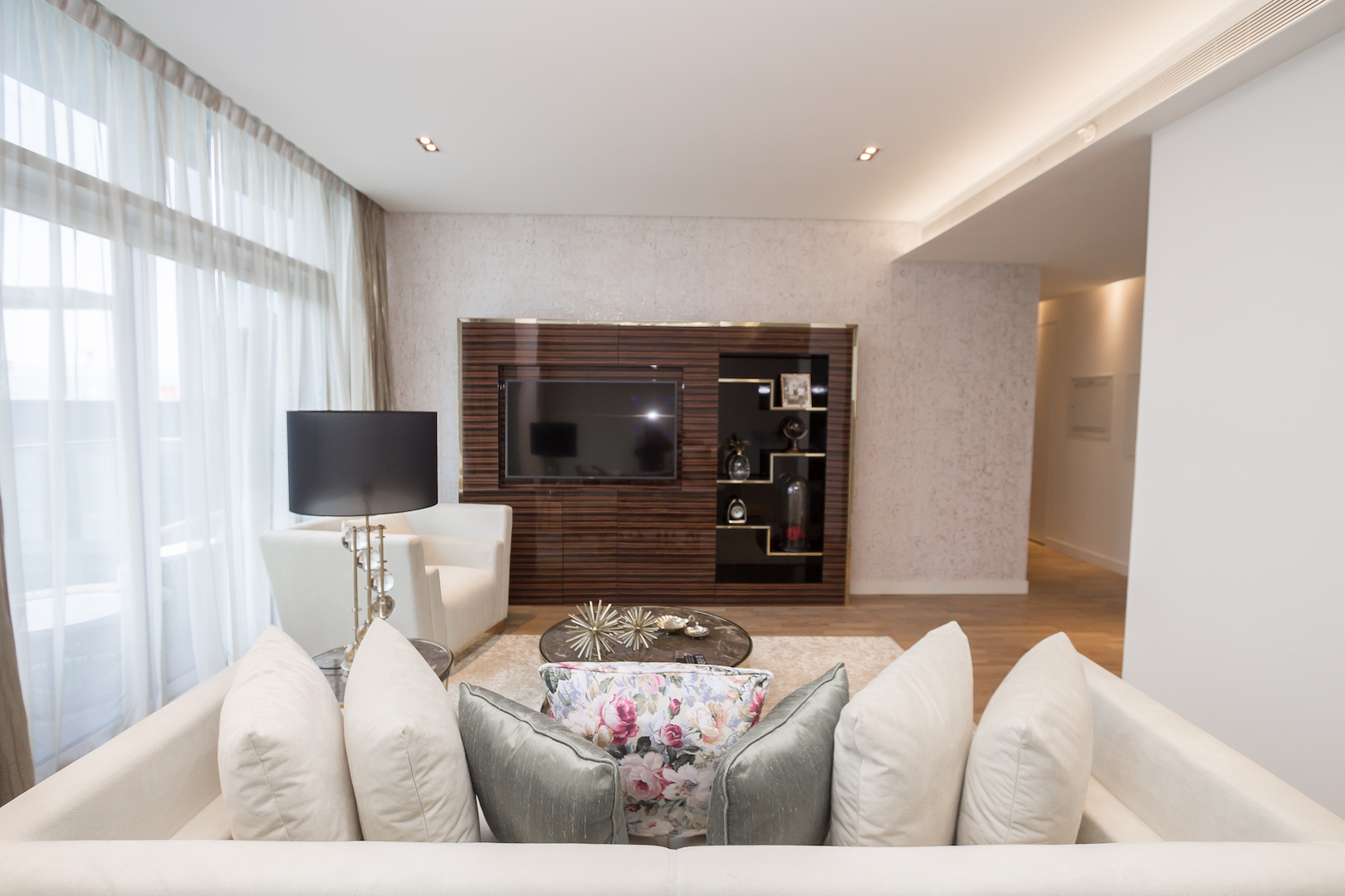 Amazing 2 Beds Opposite The Mall and Cinema in City Walk B1'511 photo 25057847