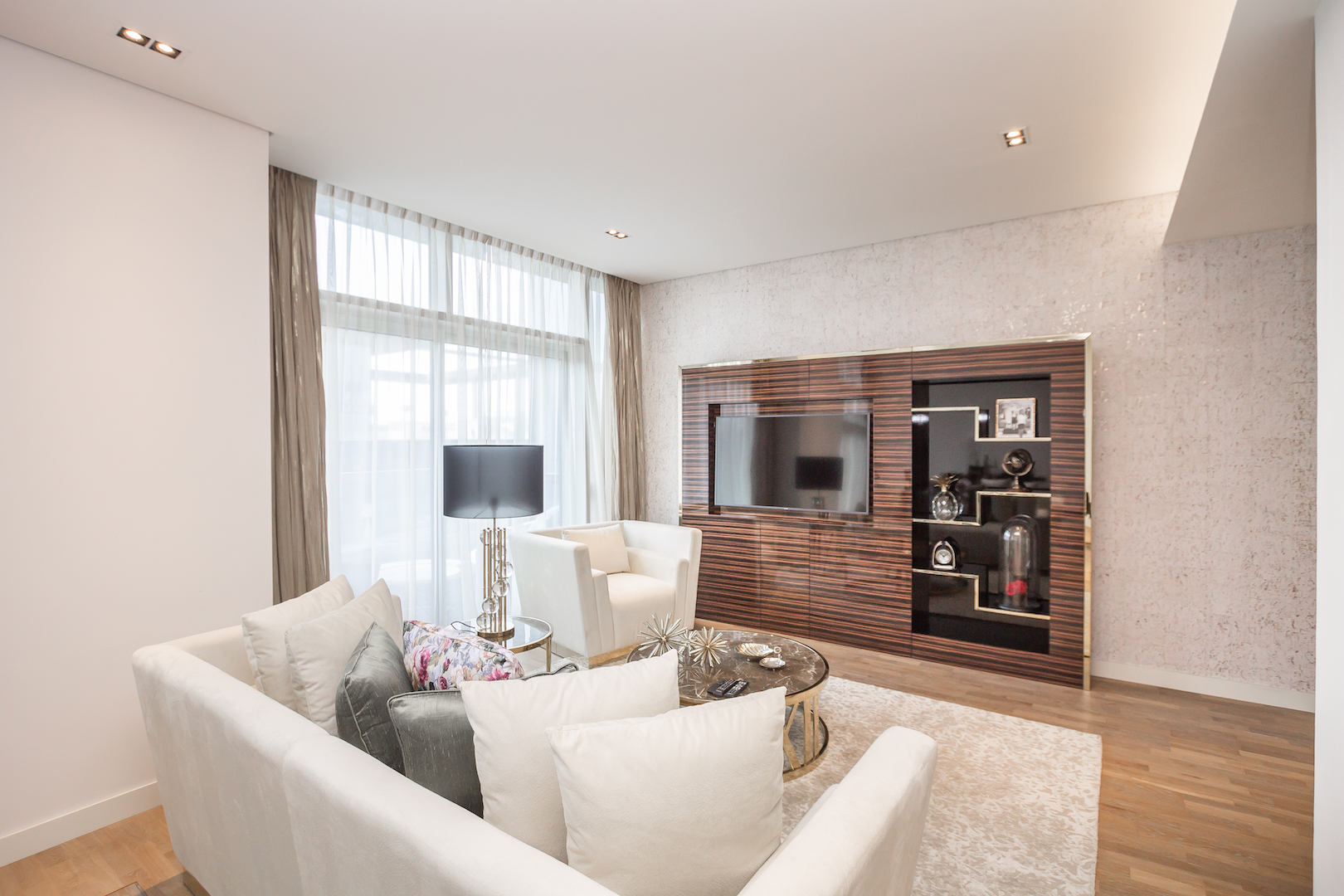 Apartment Amazing 2 Beds Opposite The Mall and Cinema in City Walk B1 511 photo 25057849