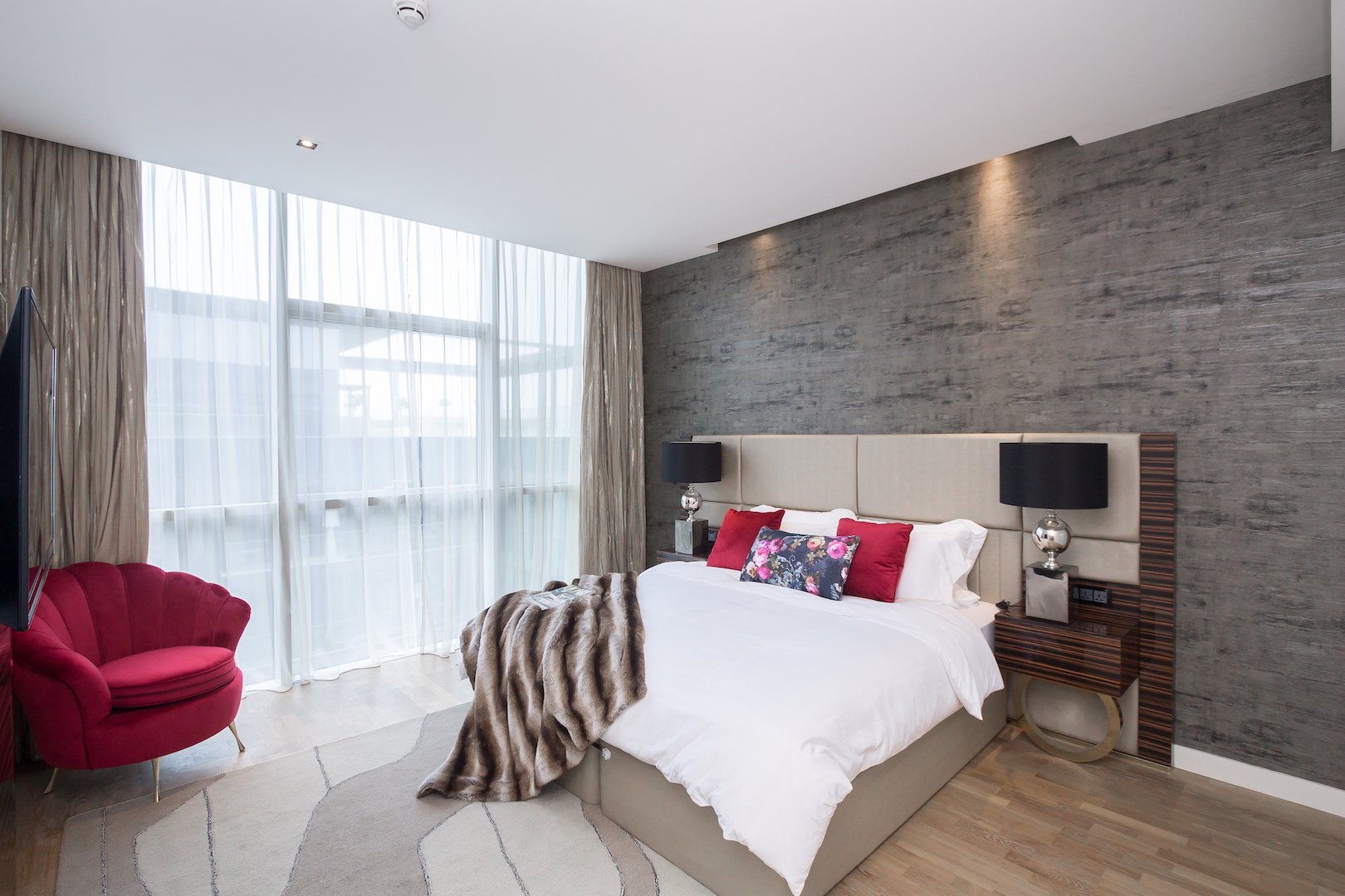 Apartment Amazing 2 Beds Opposite The Mall and Cinema in City Walk B1 511 photo 25057852