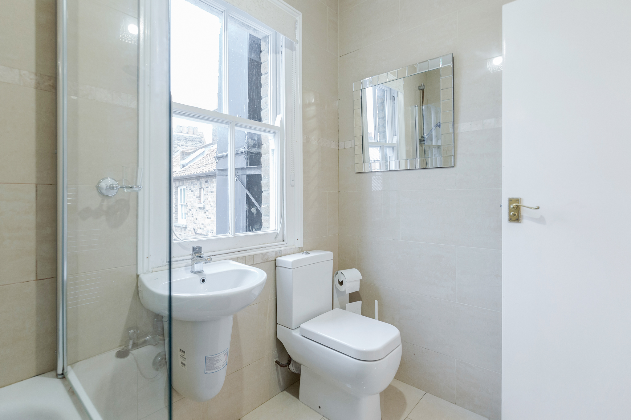 Apartment Contemporary East London Style Apartment in the heart of Brick Lane - one Minute from The Truman Brewery  photo 20247432