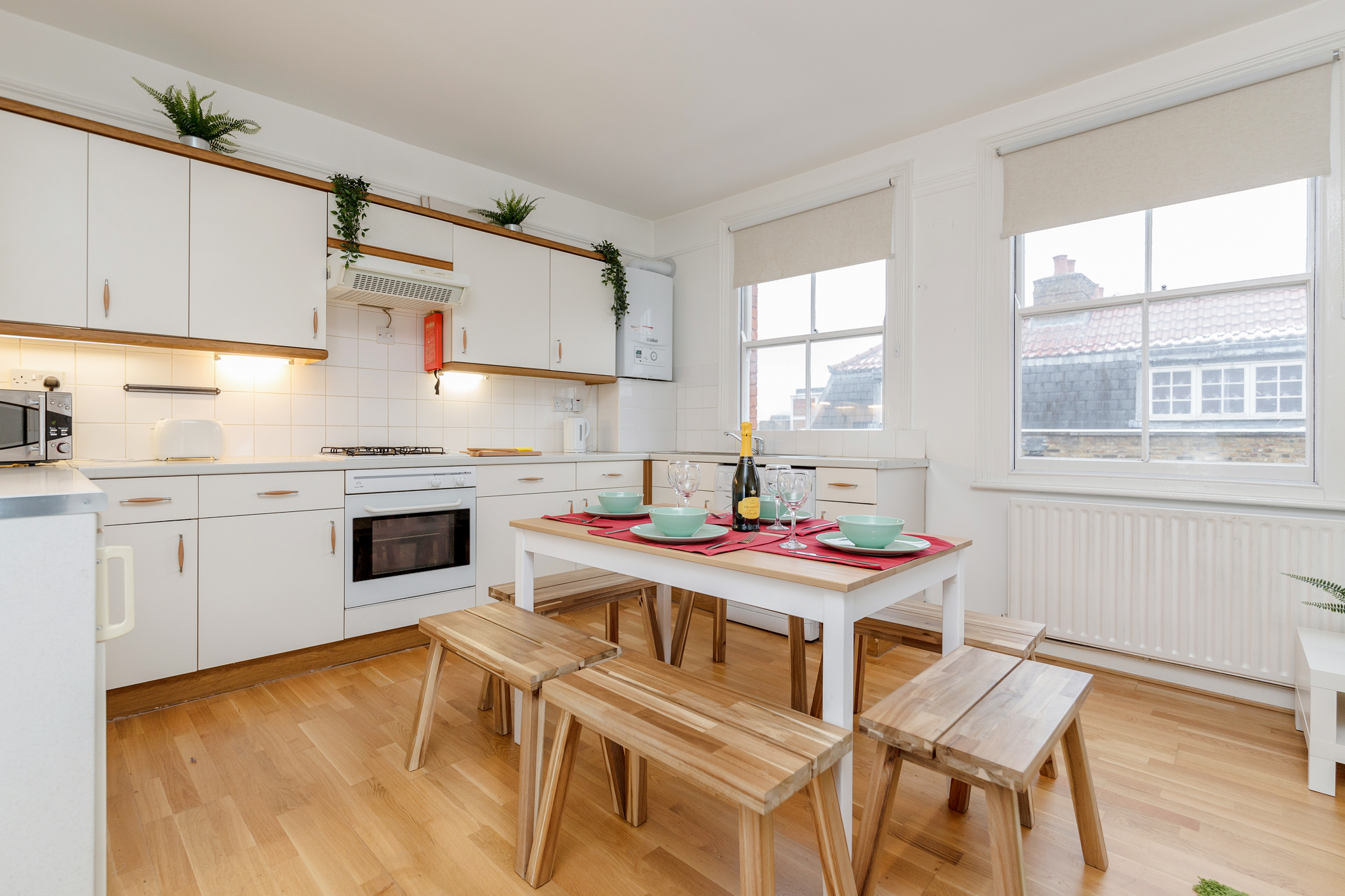 Contemporary East London Style Apartment in the heart of Brick Lane - one Minute from The Truman Brewery  photo 20324100