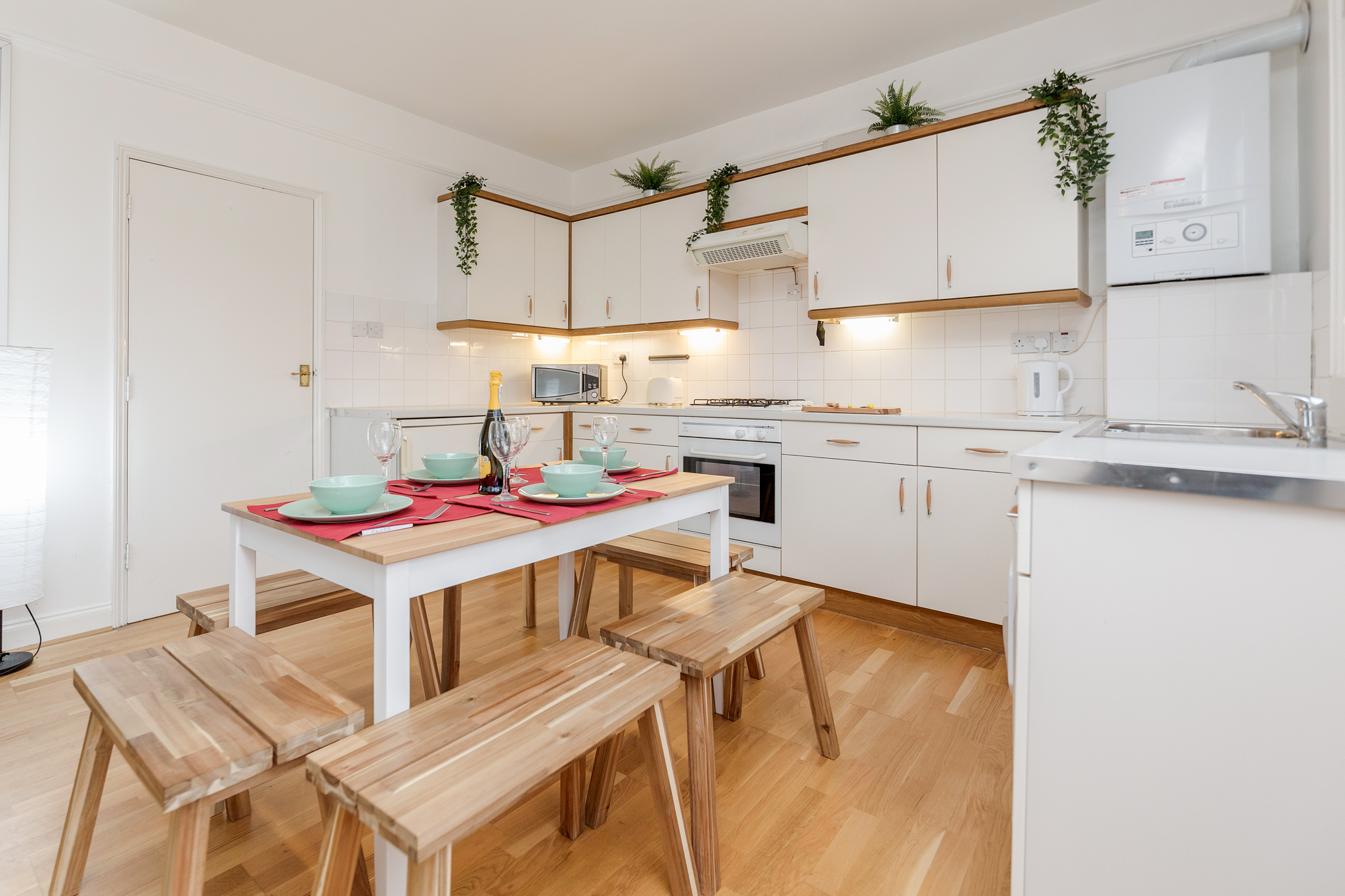 Contemporary East London Style Apartment in the heart of Brick Lane - one Minute from The Truman Brewery  photo 20332539