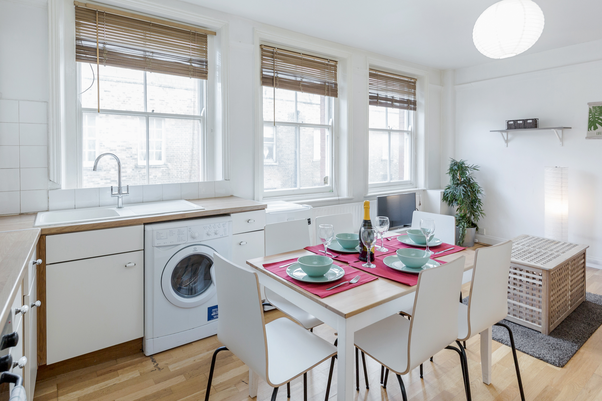 Stylish apartment in the heart of Brick Lane - one Minute from The Truman Brewery  photo 20315816
