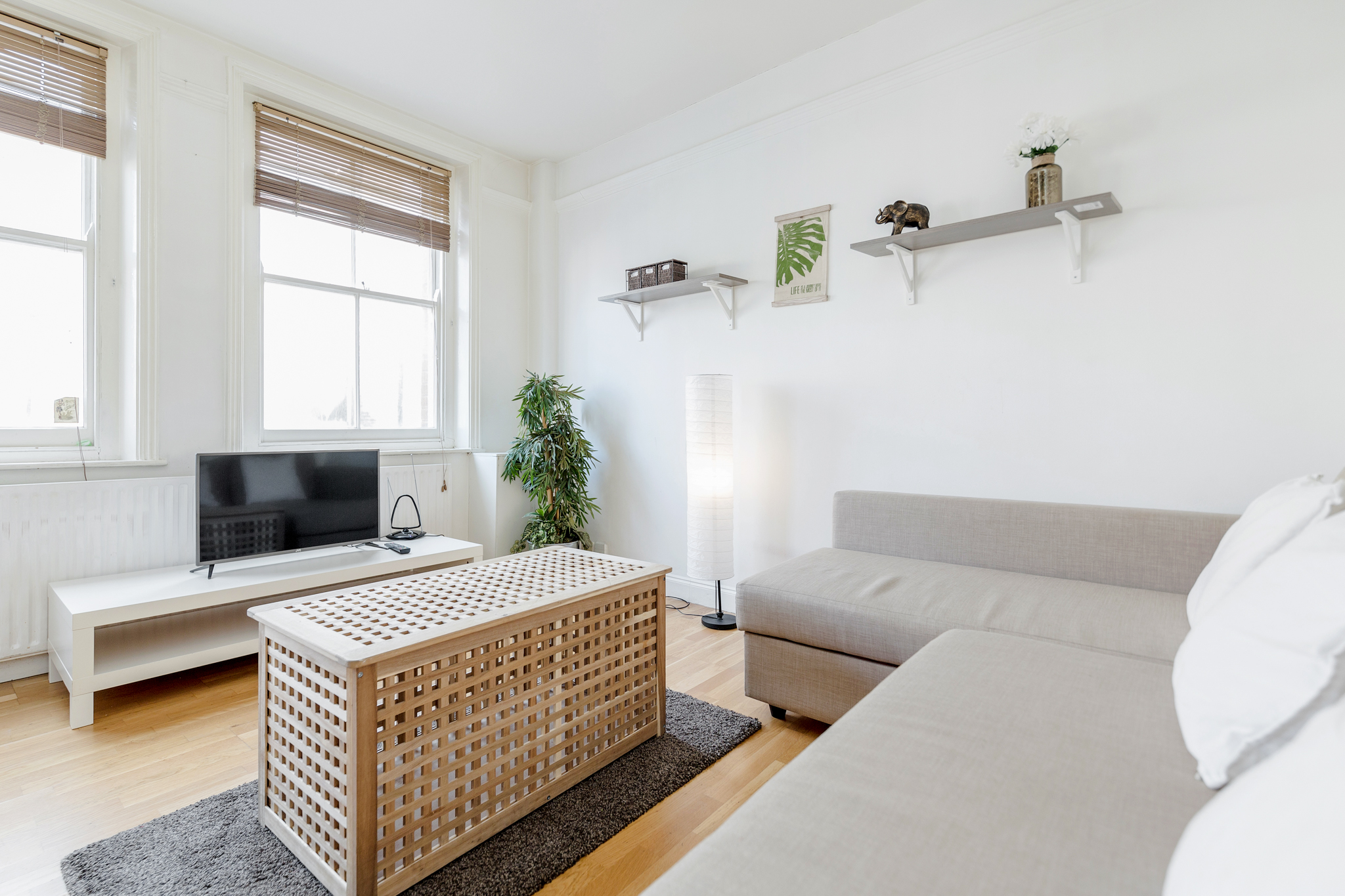 Stylish apartment in the heart of Brick Lane - one Minute from The Truman Brewery  photo 20315810