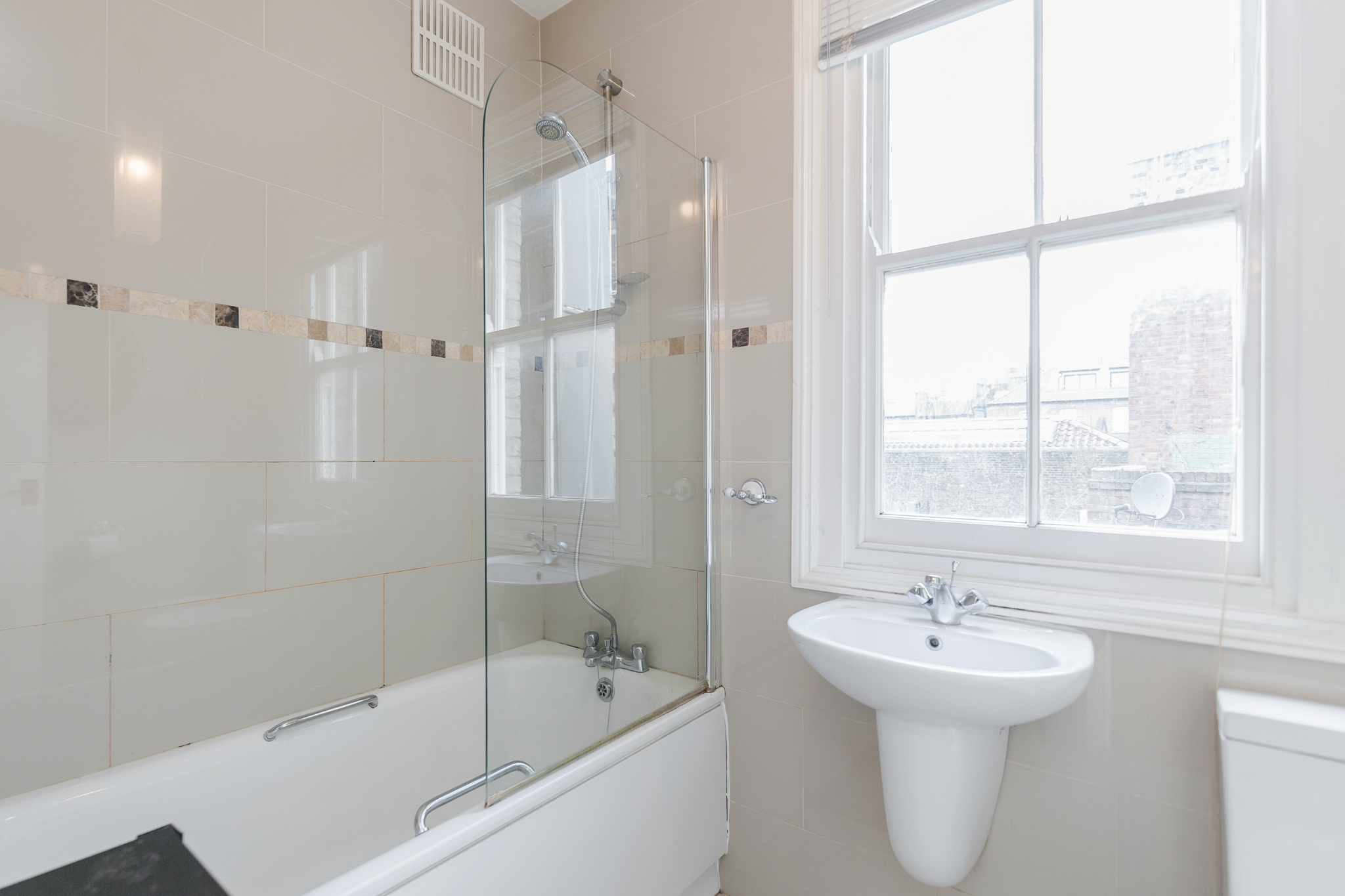 Apartment Stylish apartment in the heart of Brick Lane - one Minute from The Truman Brewery  photo 20462273