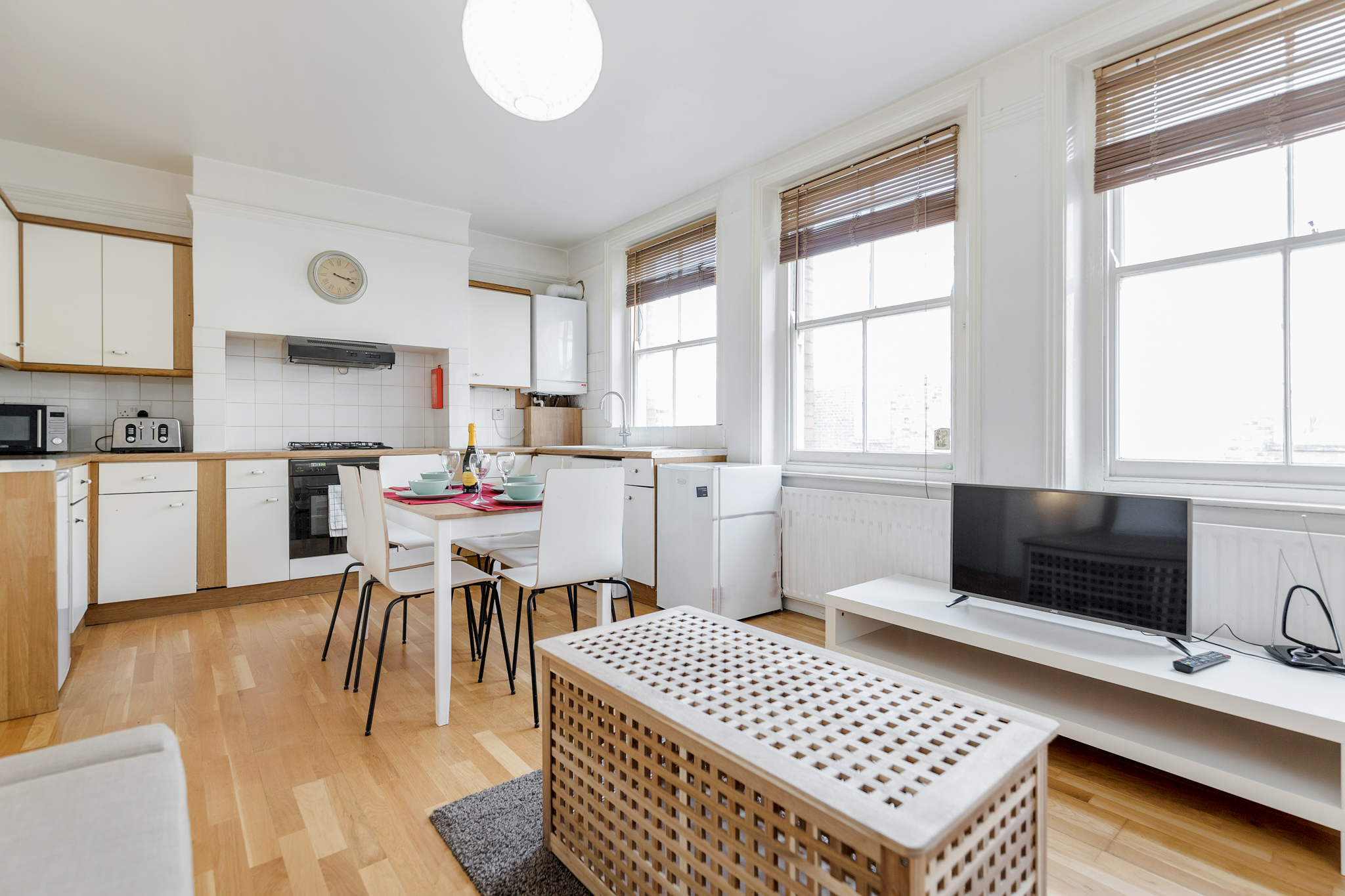 Stylish apartment in the heart of Brick Lane - one Minute from The Truman Brewery  photo 20029119