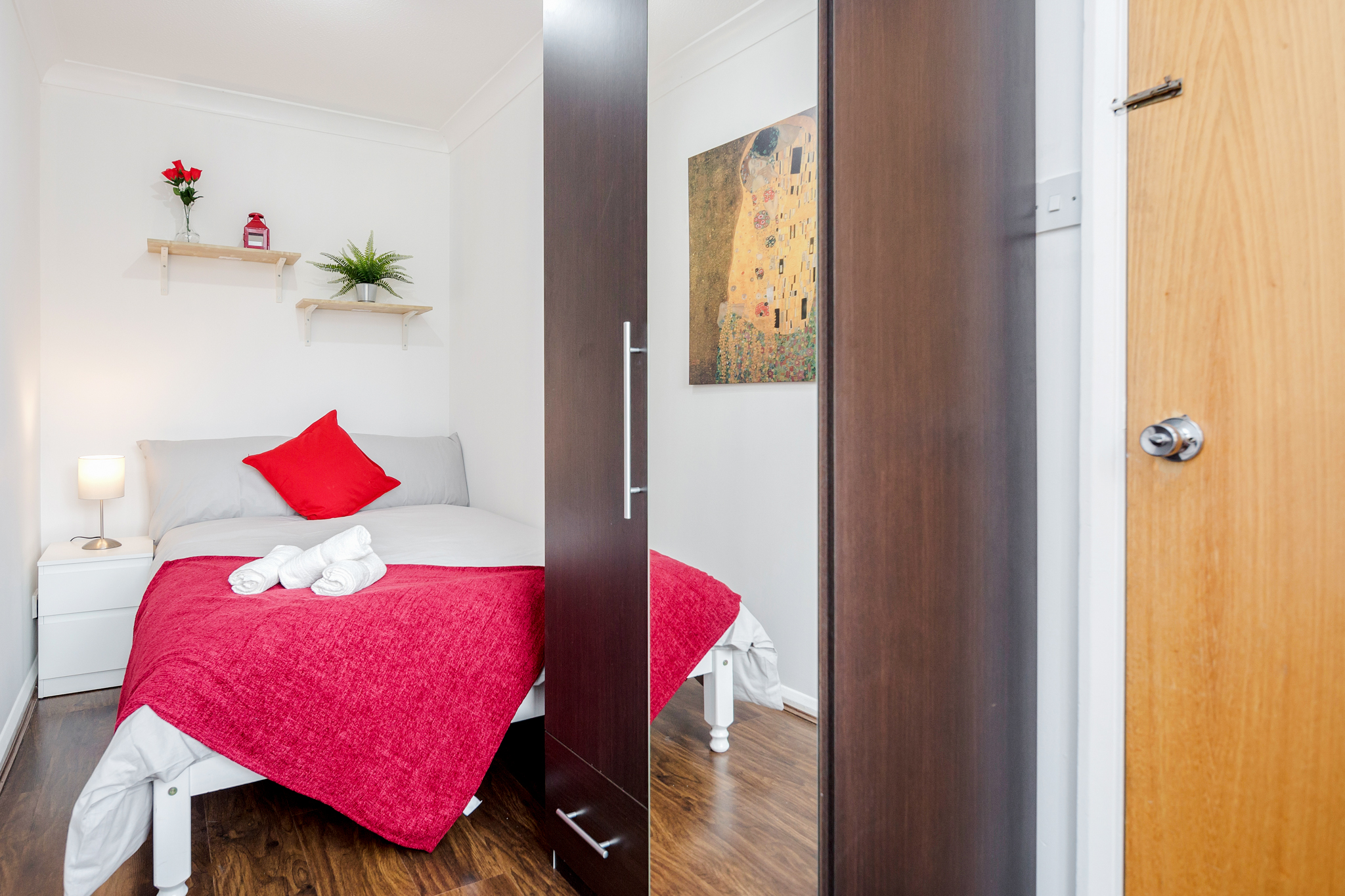 Double room 10 minutes walking from Tower Bridge - (Shared Bathroom) photo 13794086