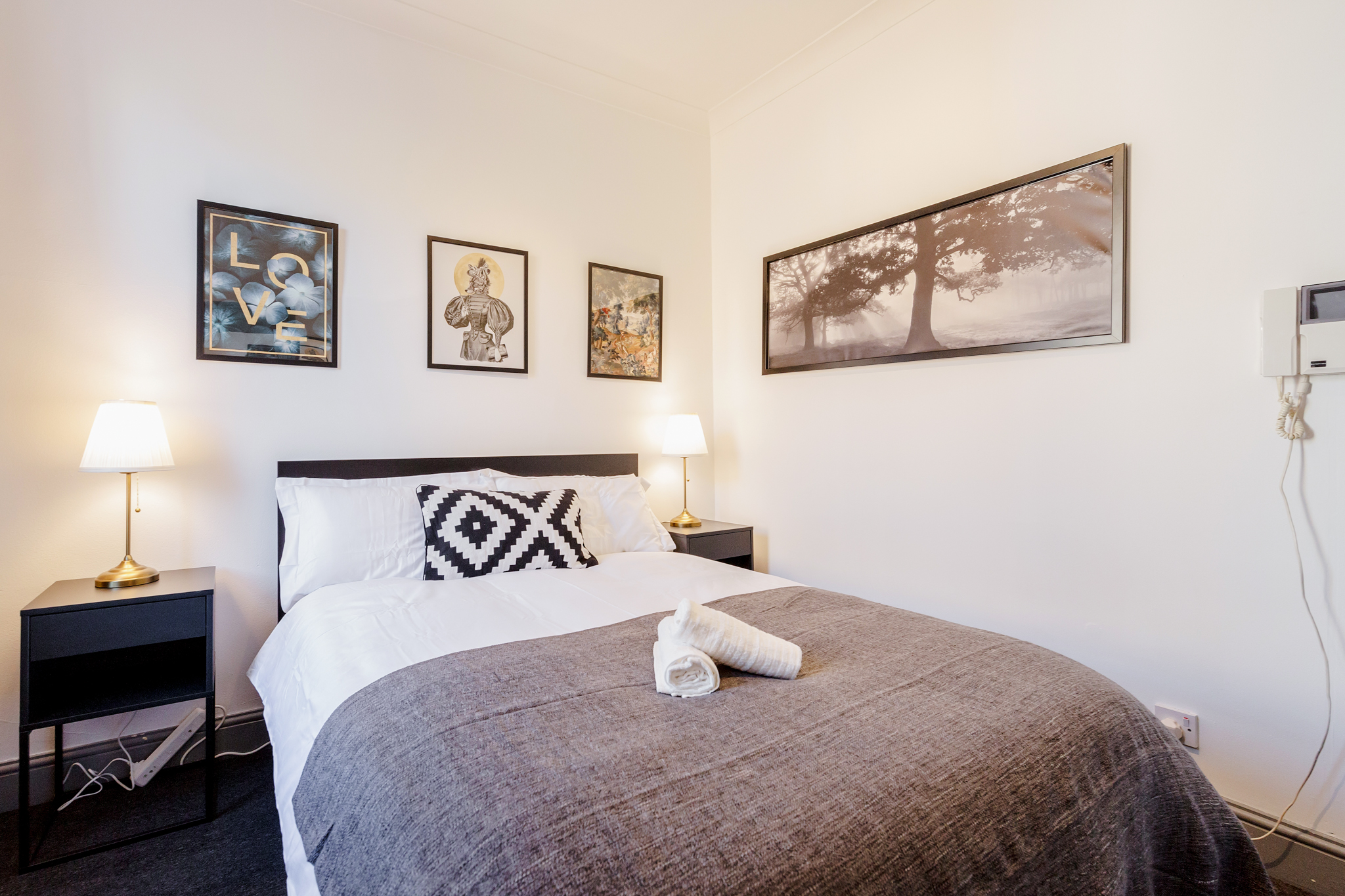 The Dark Room - Double room with private bathroom 10 minutes walk from Aldgate photo 13929582