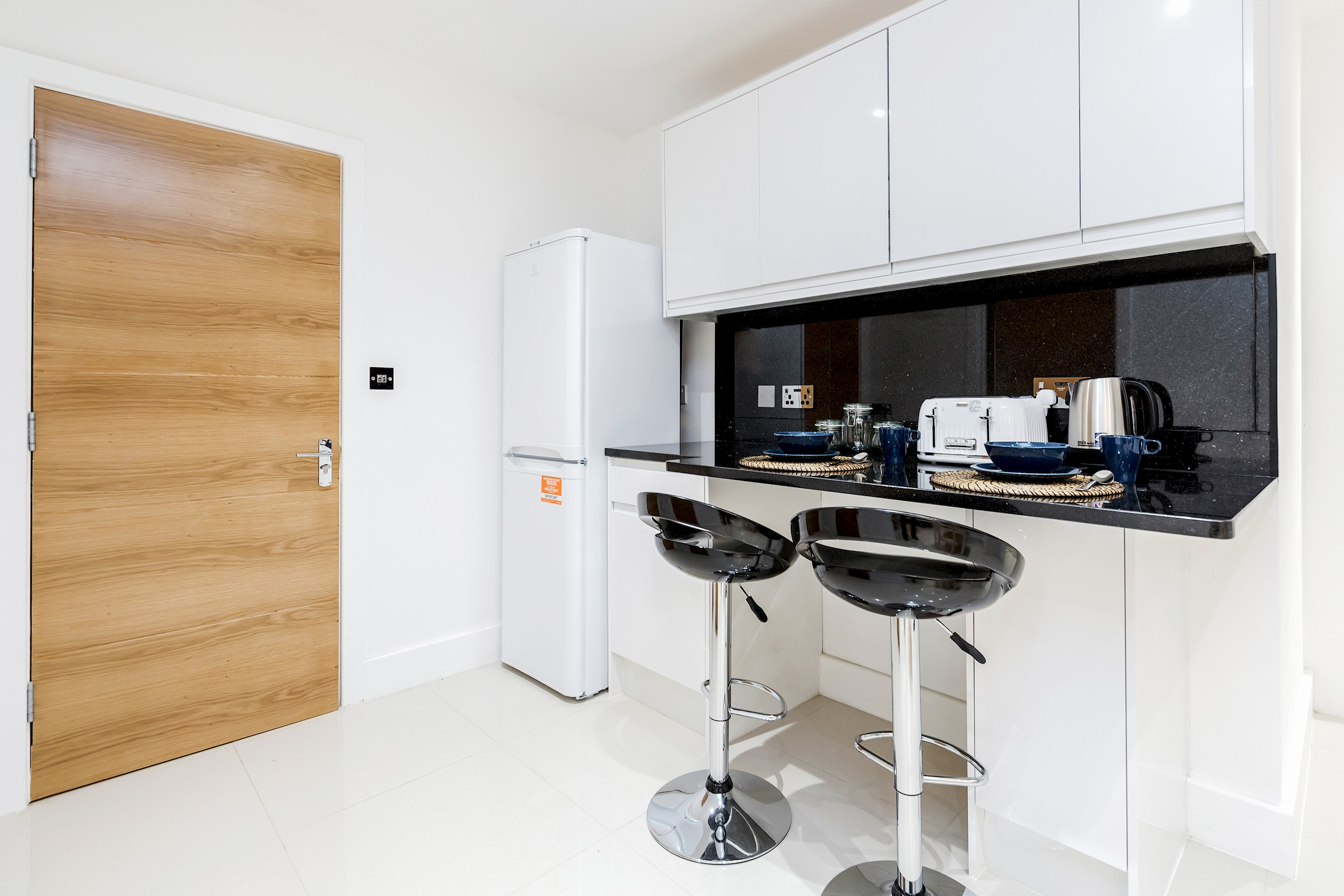 Stunning 1 bedroom flat with private garden minutes away from Tower Bridge photo 20466673