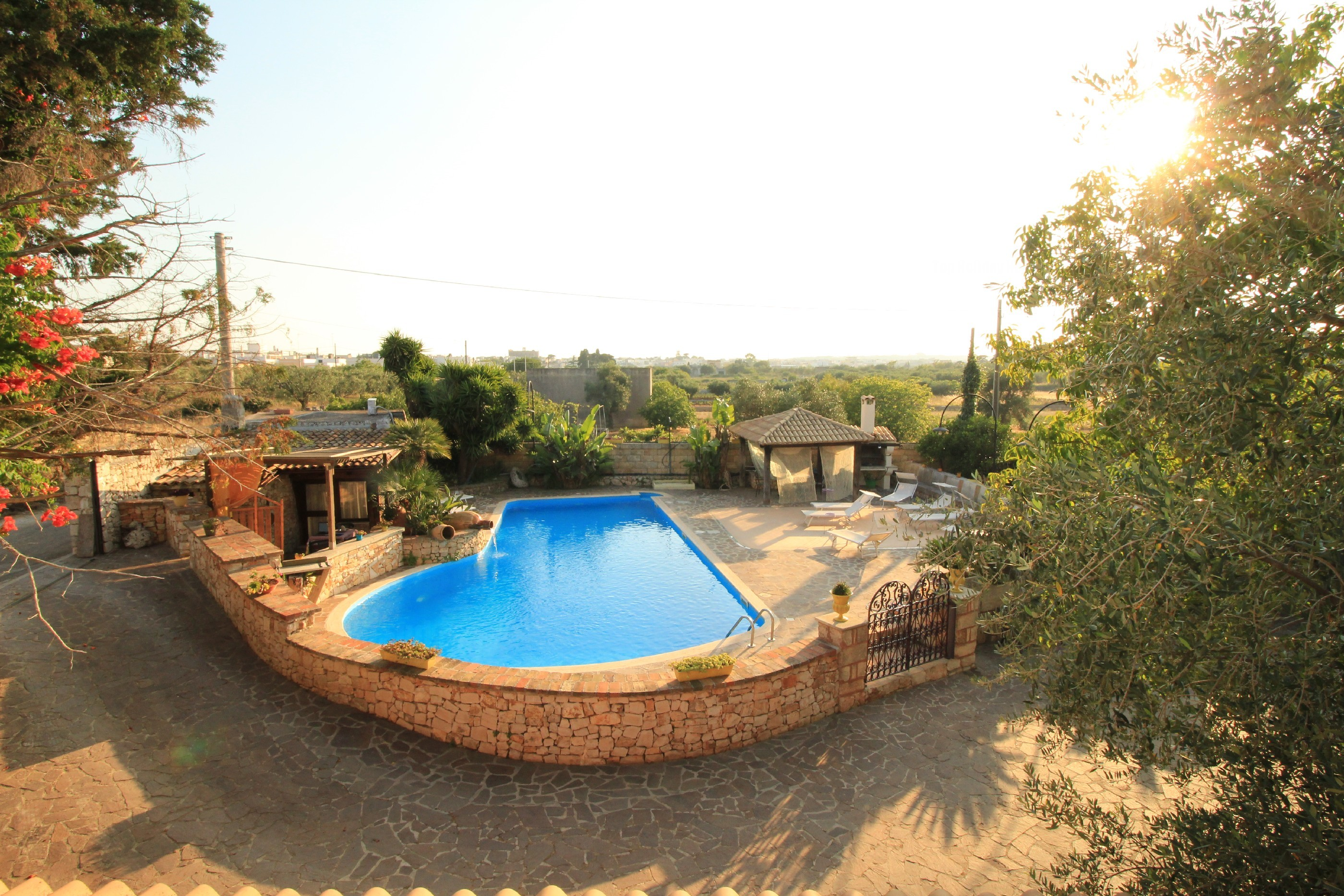Trilo Noce shared pool photo 20369964