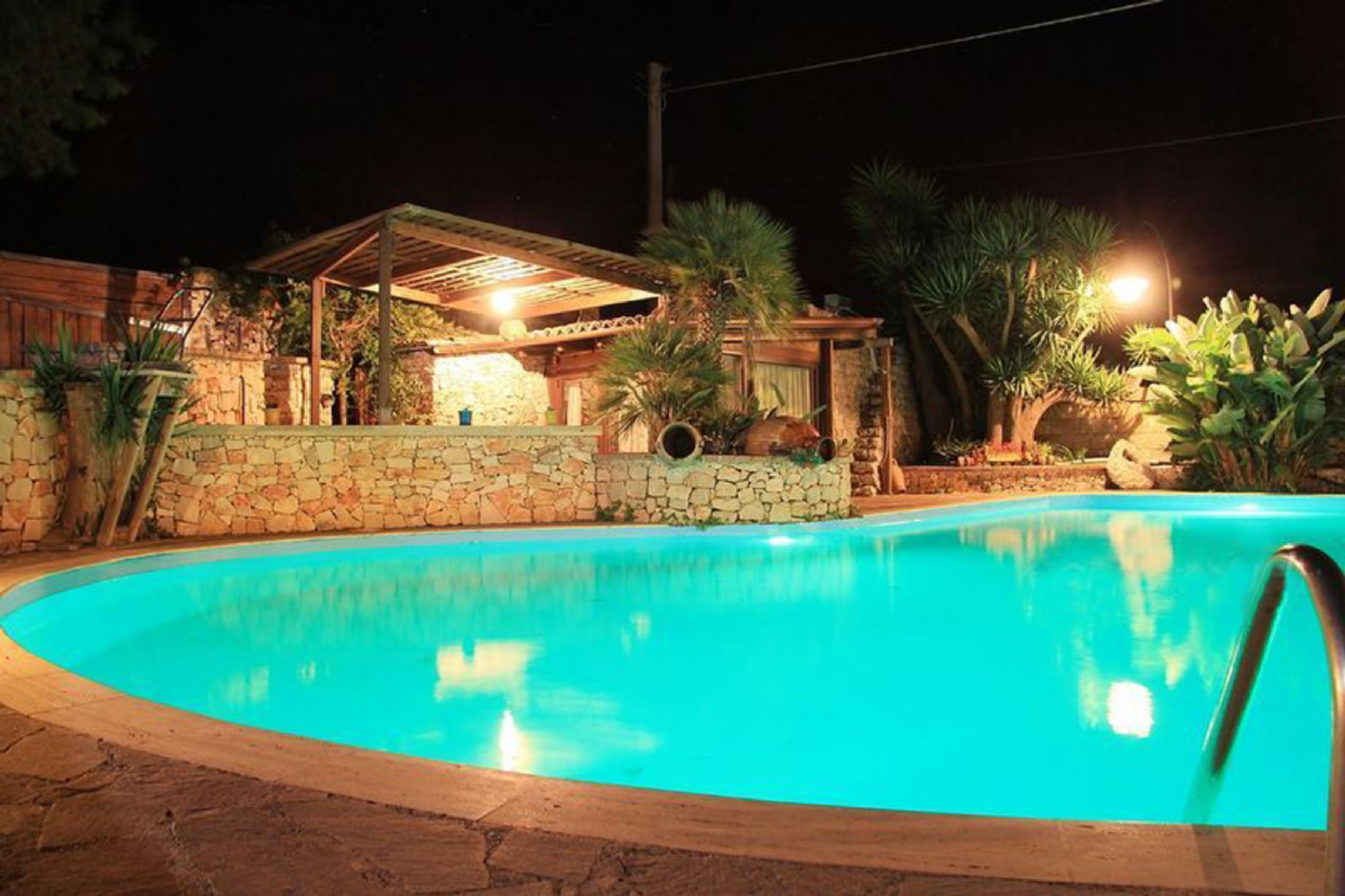 Trilo Noce shared pool photo 20369968