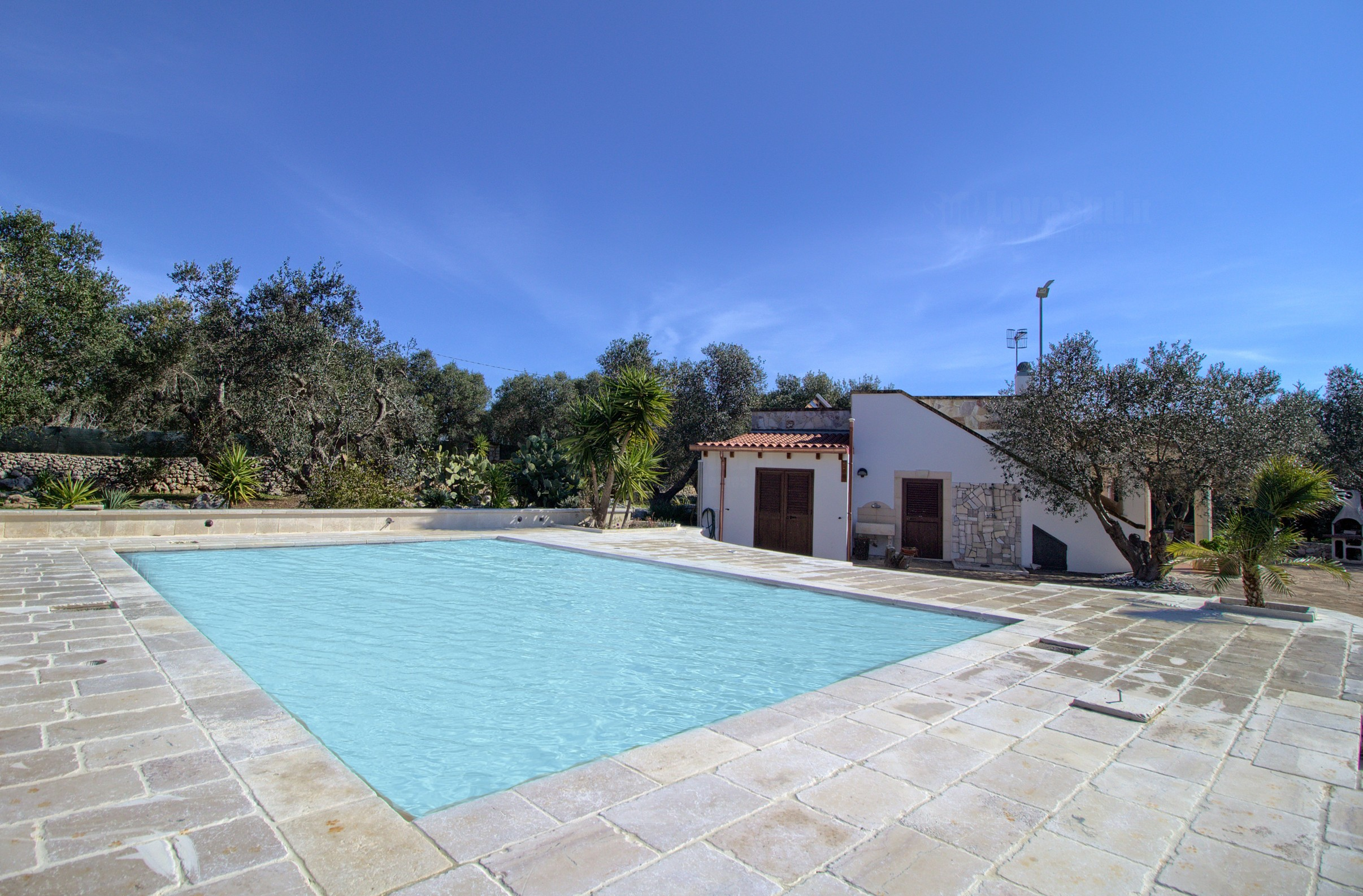 Cavaliere lovely pool home photo 22517543