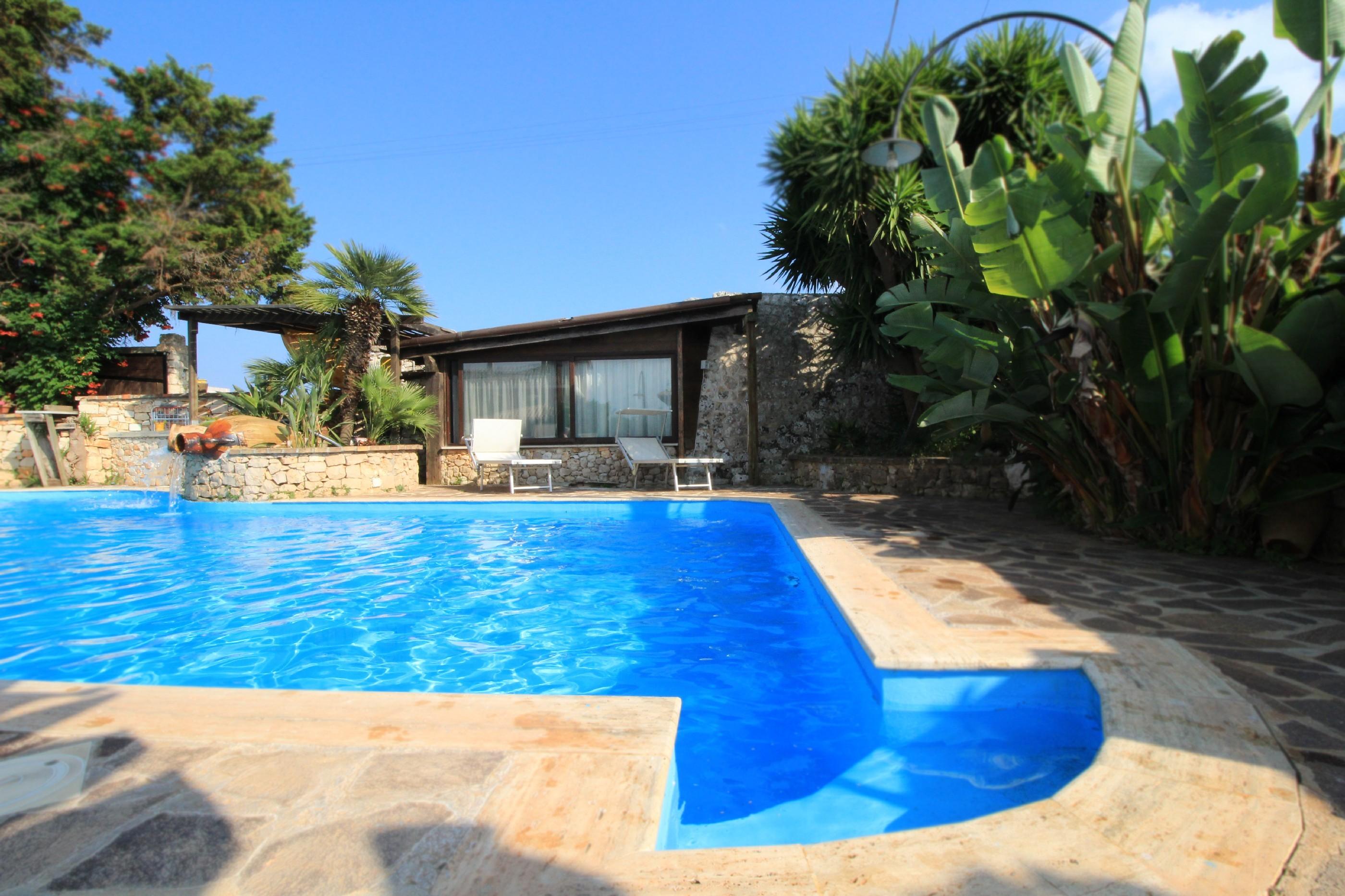 Merlo Trullo con piscina photo 20369928